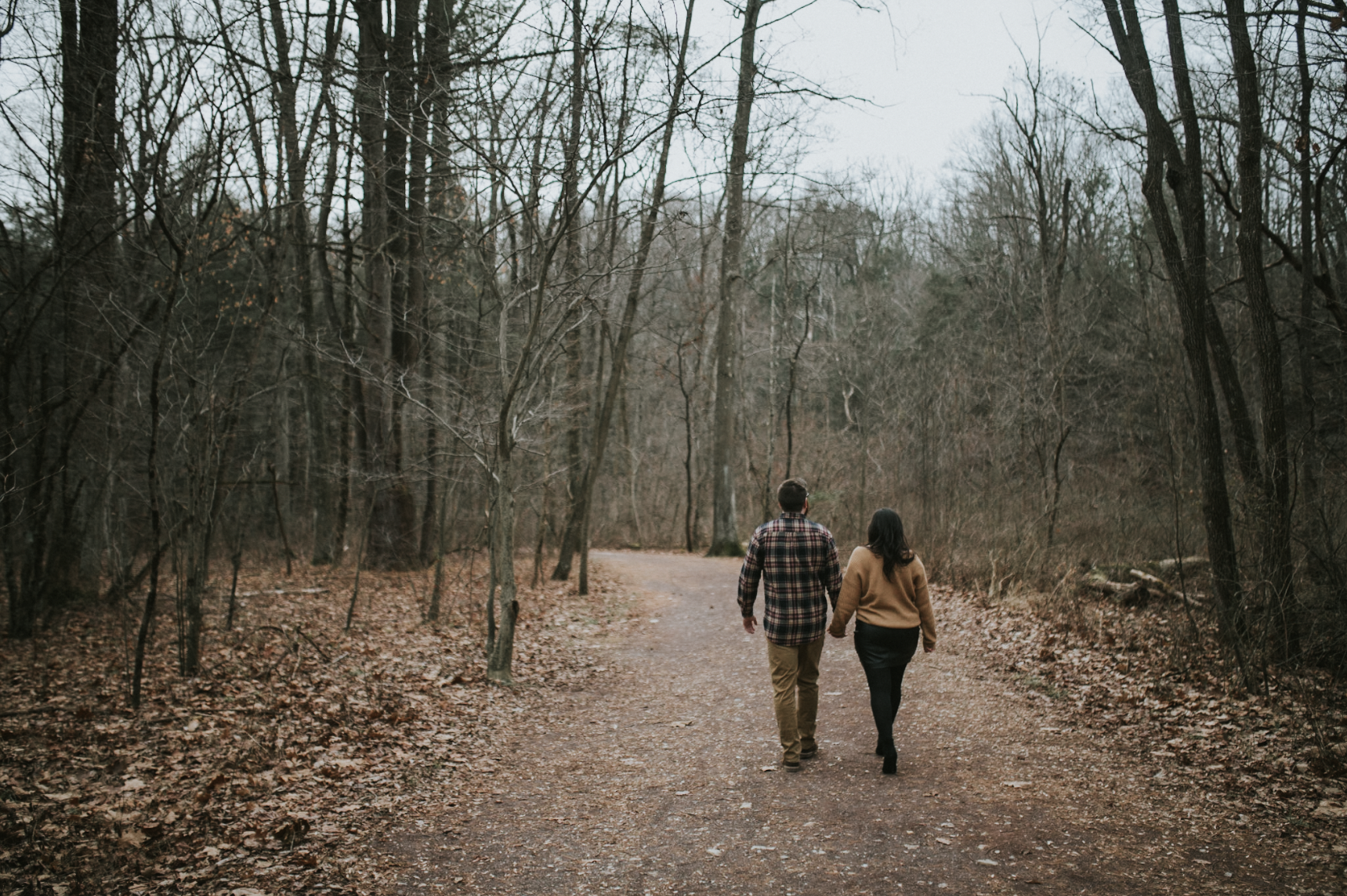 matt-natalia-winter-woods-engagement-session-pennsylvania-wedding-photographer-10