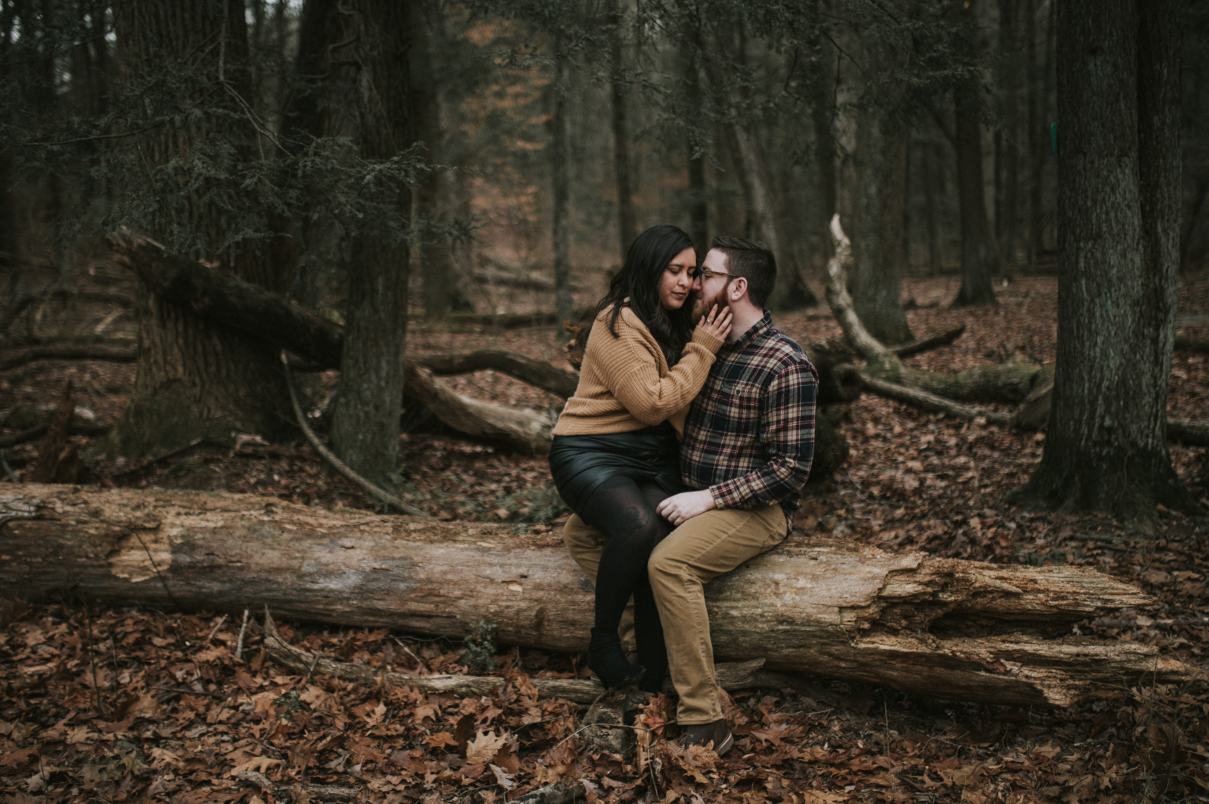 matt-natalia-winter-woods-engagement-session-pennsylvania-wedding-photographer-15