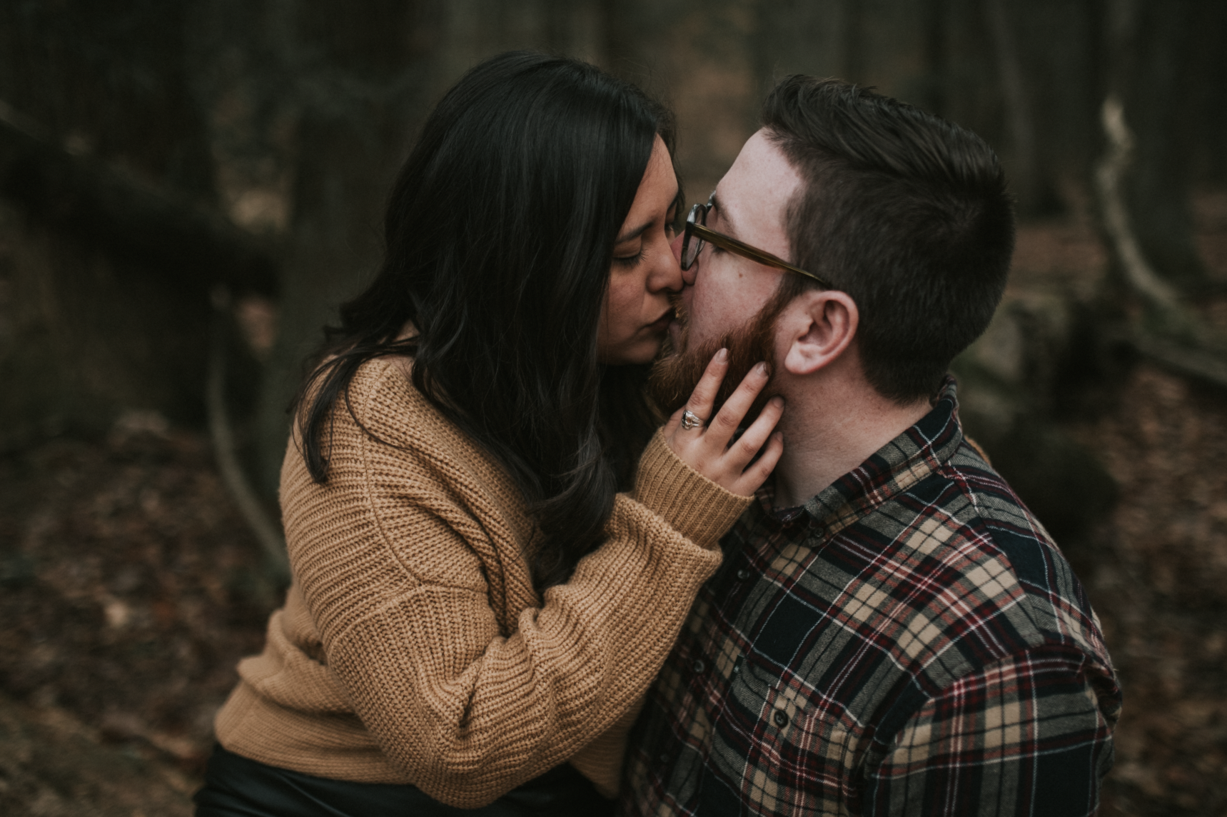matt-natalia-winter-woods-engagement-session-pennsylvania-wedding-photographer-14