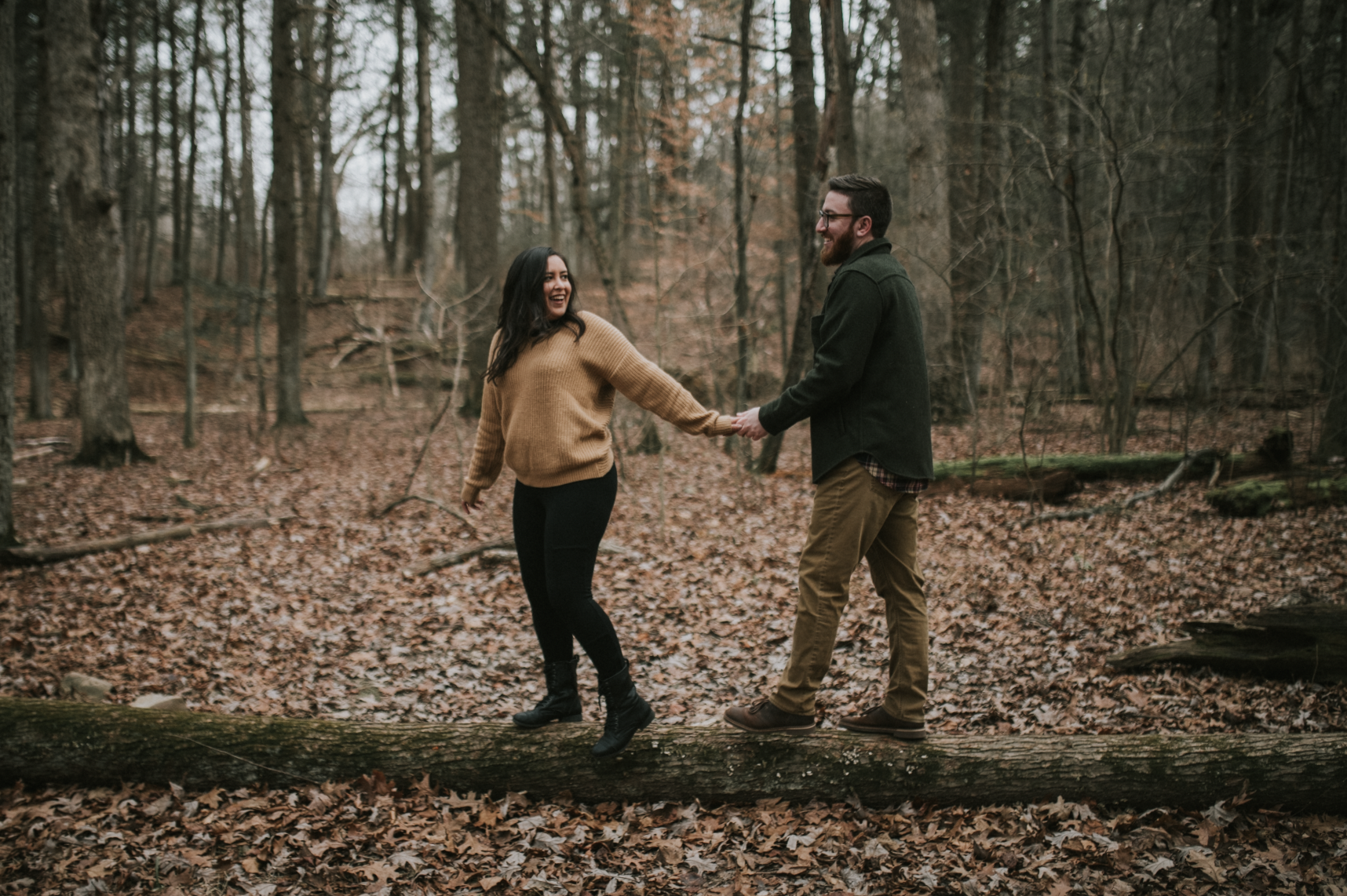 matt-natalia-winter-woods-engagement-session-pennsylvania-wedding-photographer-16
