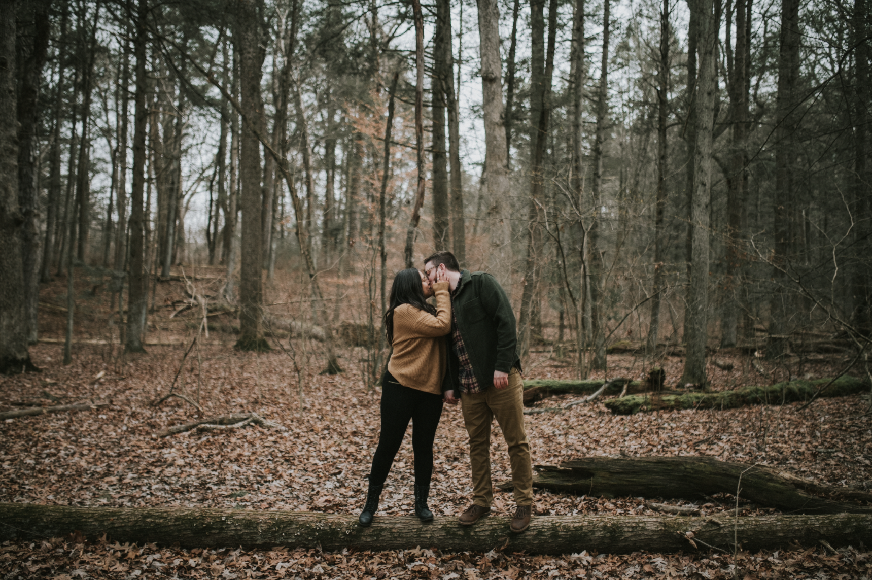 matt-natalia-winter-woods-engagement-session-pennsylvania-wedding-photographer-19