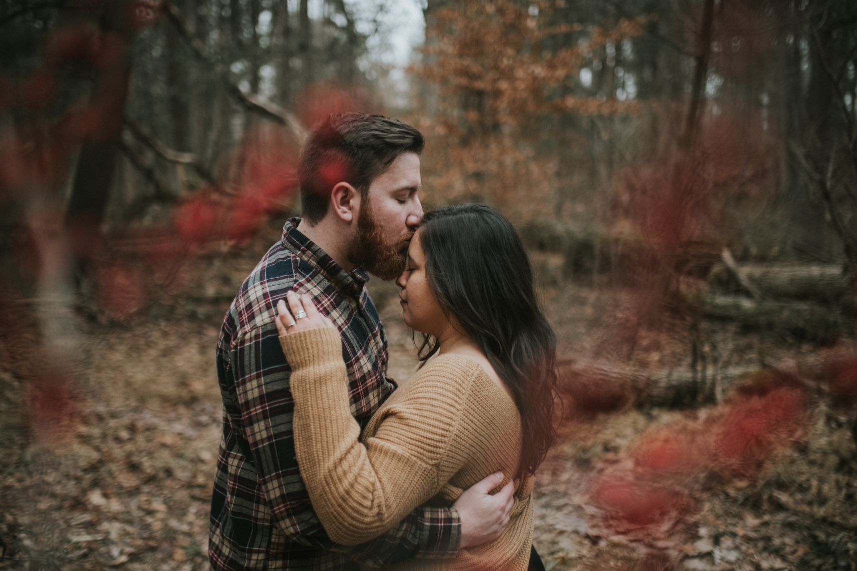 matt-natalia-winter-woods-engagement-session-pennsylvania-wedding-photographer-32