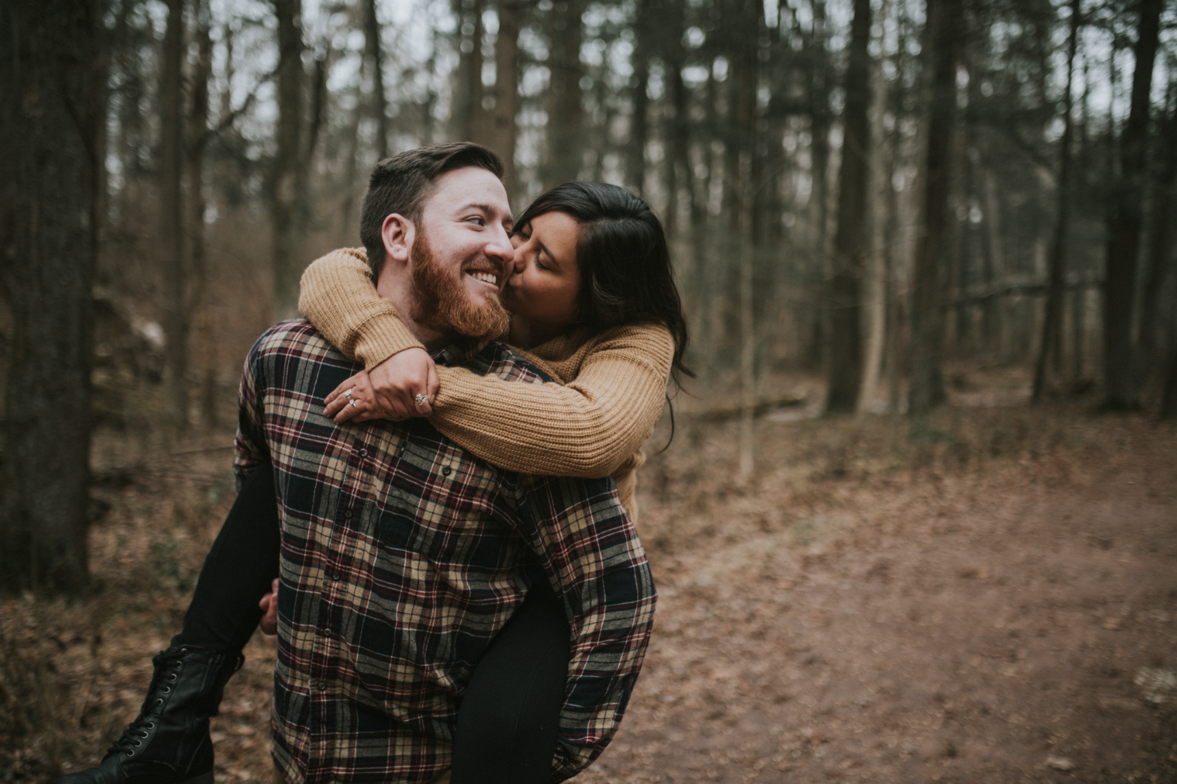 matt-natalia-winter-woods-engagement-session-pennsylvania-wedding-photographer-33