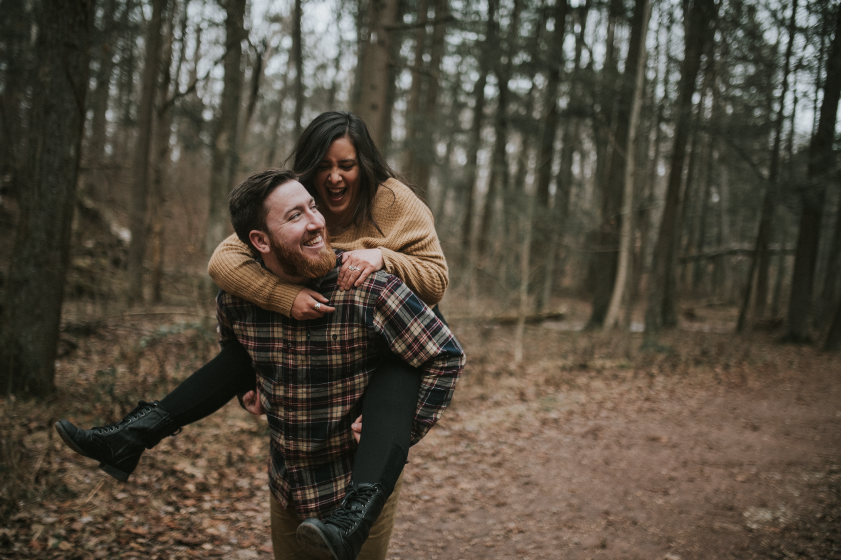 matt-natalia-winter-woods-engagement-session-pennsylvania-wedding-photographer-35