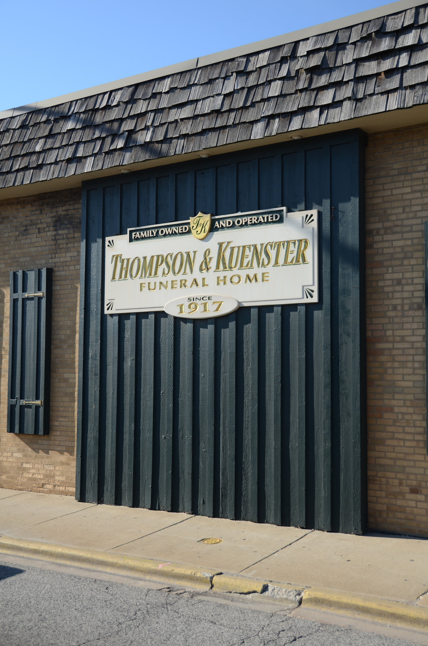 Thompson-Kuenster Funeral Home - Oak Lawn Funeral Home