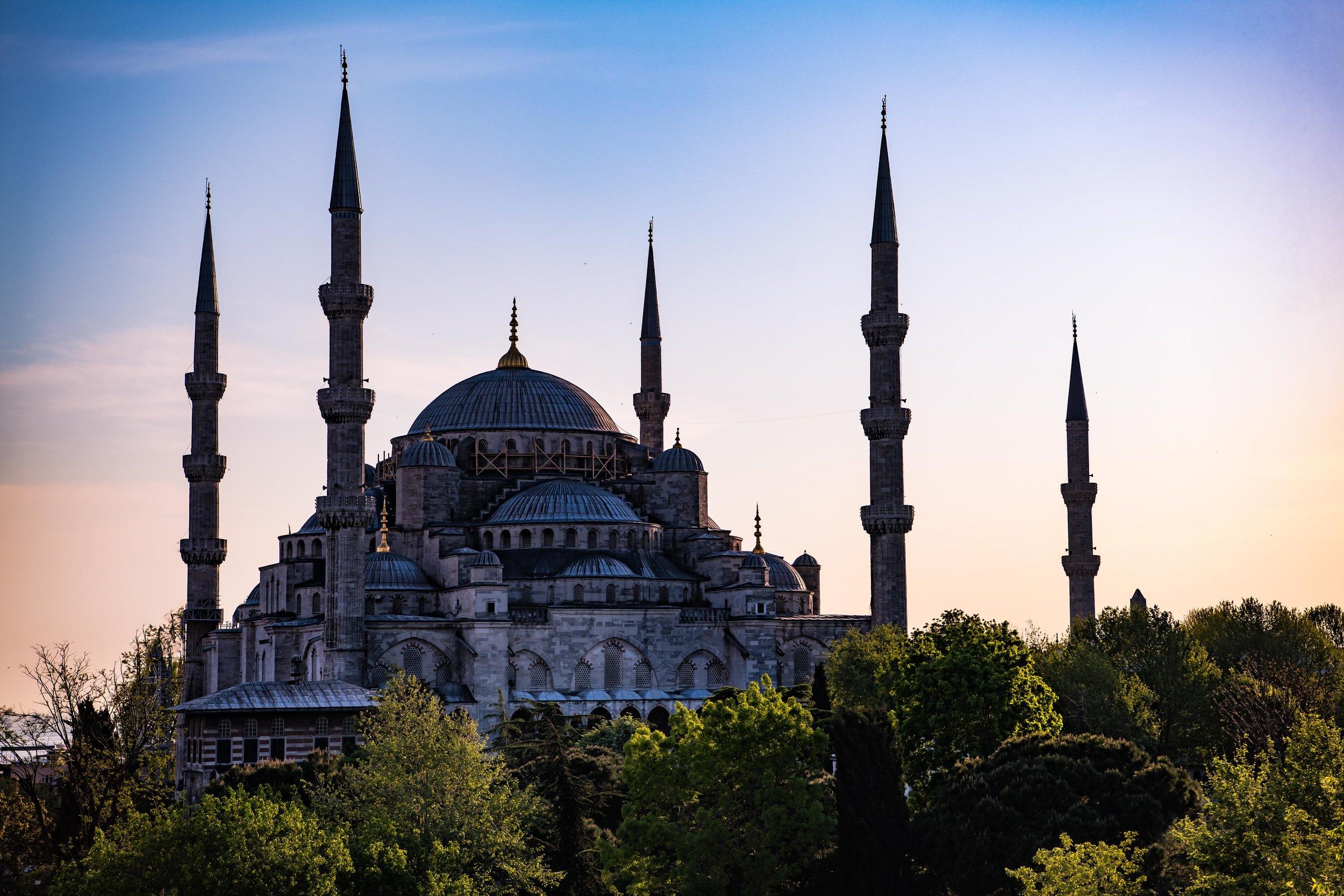 thetravelhub_istanbul_blue mosque-.jpg