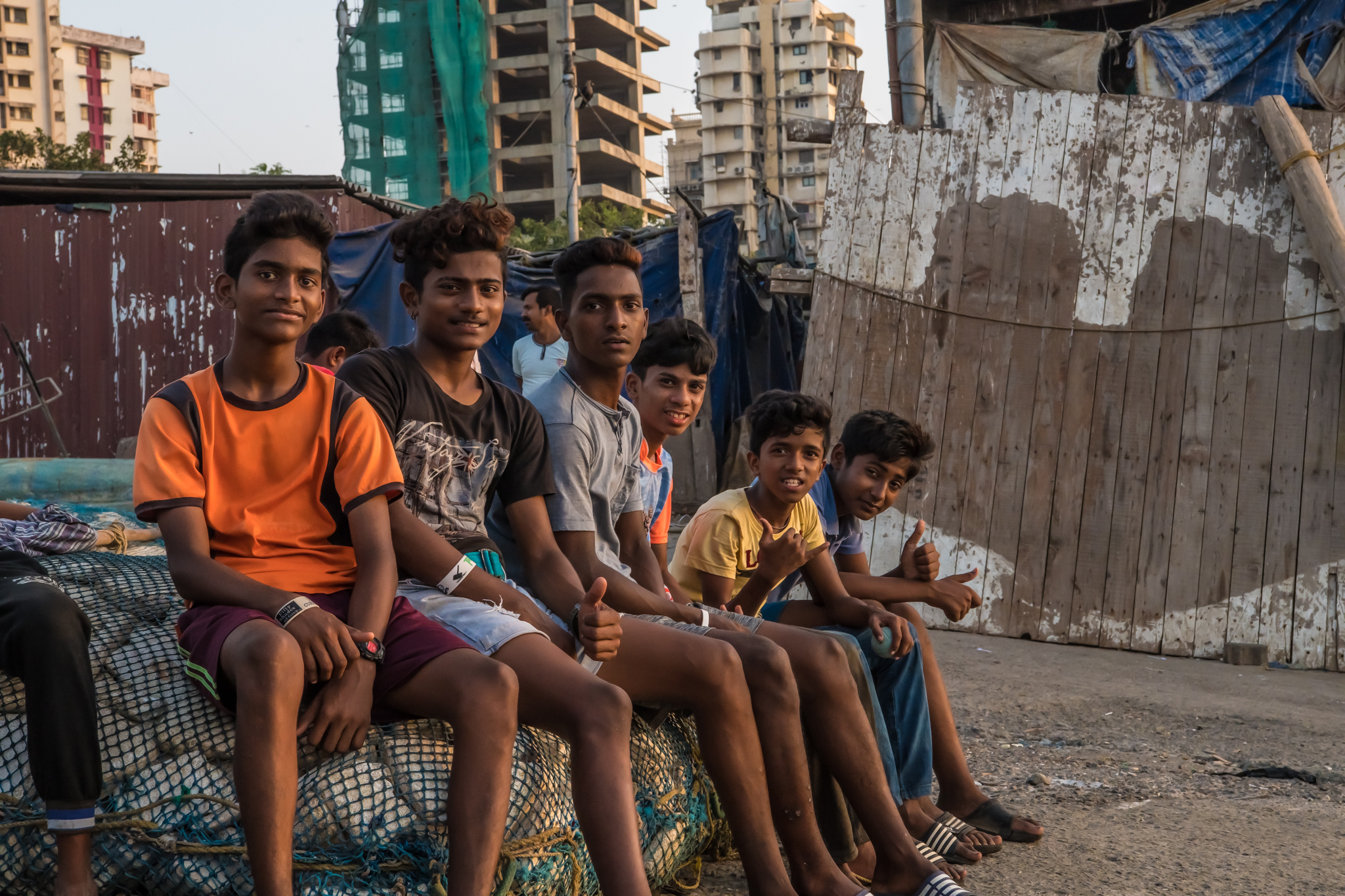 thetravelhub_india_mumbai local kids.jpg
