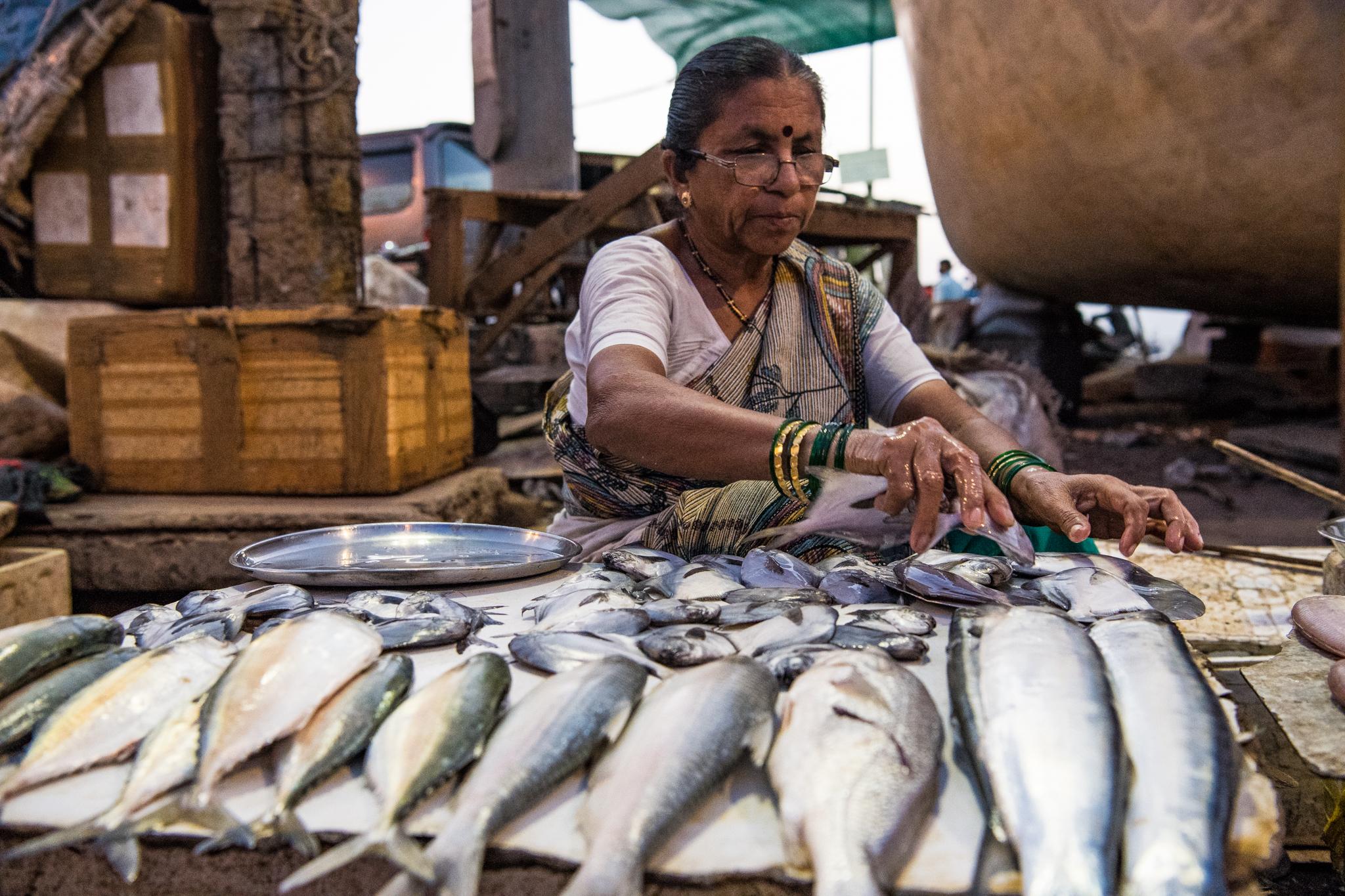 thetravelhub_india_mumbai street market.jpg