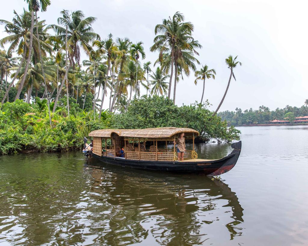 The Travel Hub Kerala Backwater.jpeg
