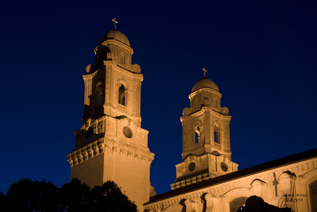 Cathedral_night_2009[1].jpg
