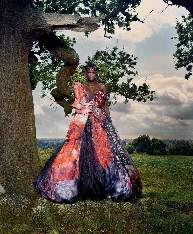 Vogue UK November 2019 9.jpg