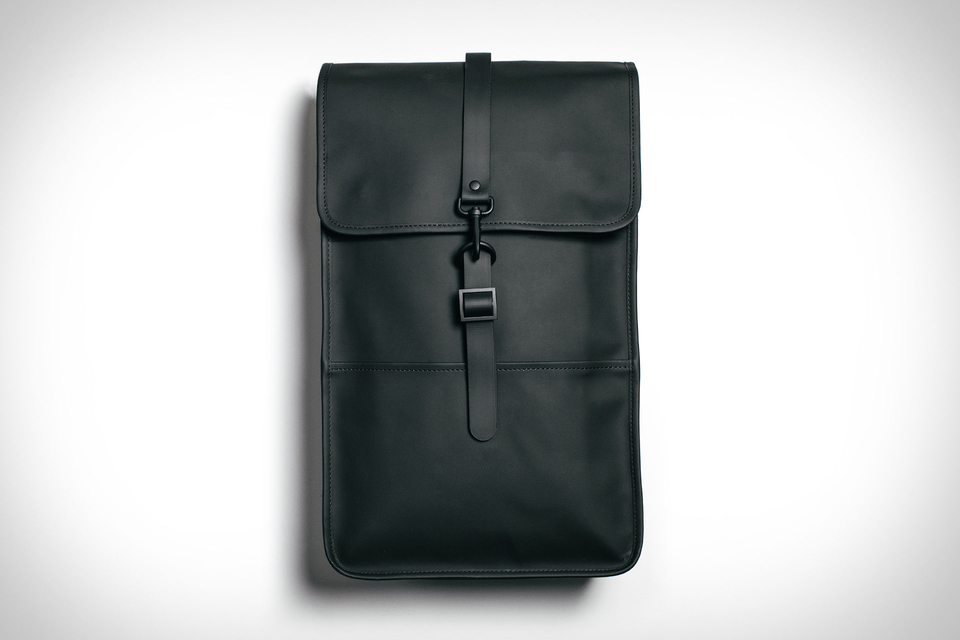 rains-backpack-01-thumb-960xauto-80962.jpg
