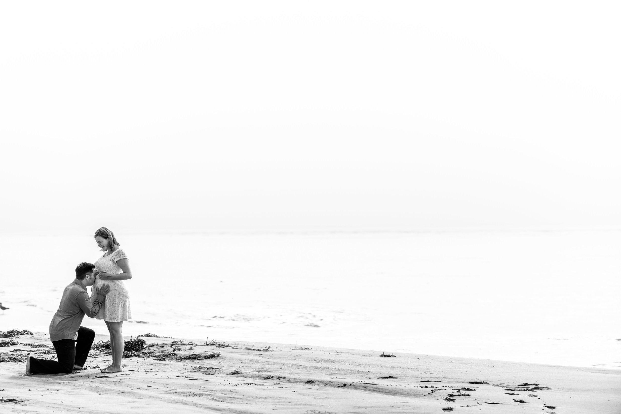 6152_d810a_Nikki_and_Glenn_Capitola_Beach_Maternity_Photography.jpg
