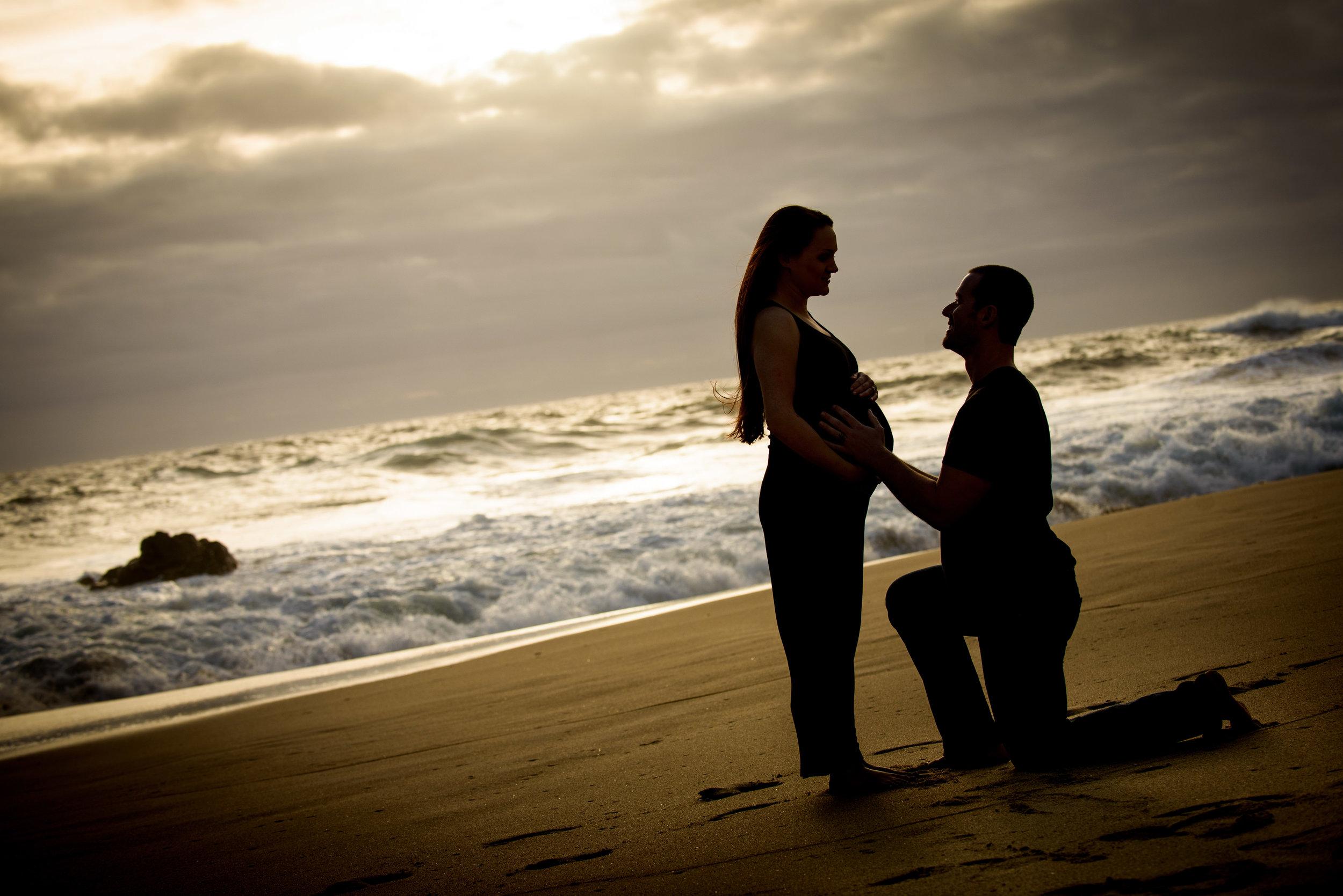 4950_d800_Katie_and_Tyler_Panther_Beach_Santa_Cruz_Maternity_Photography.jpg