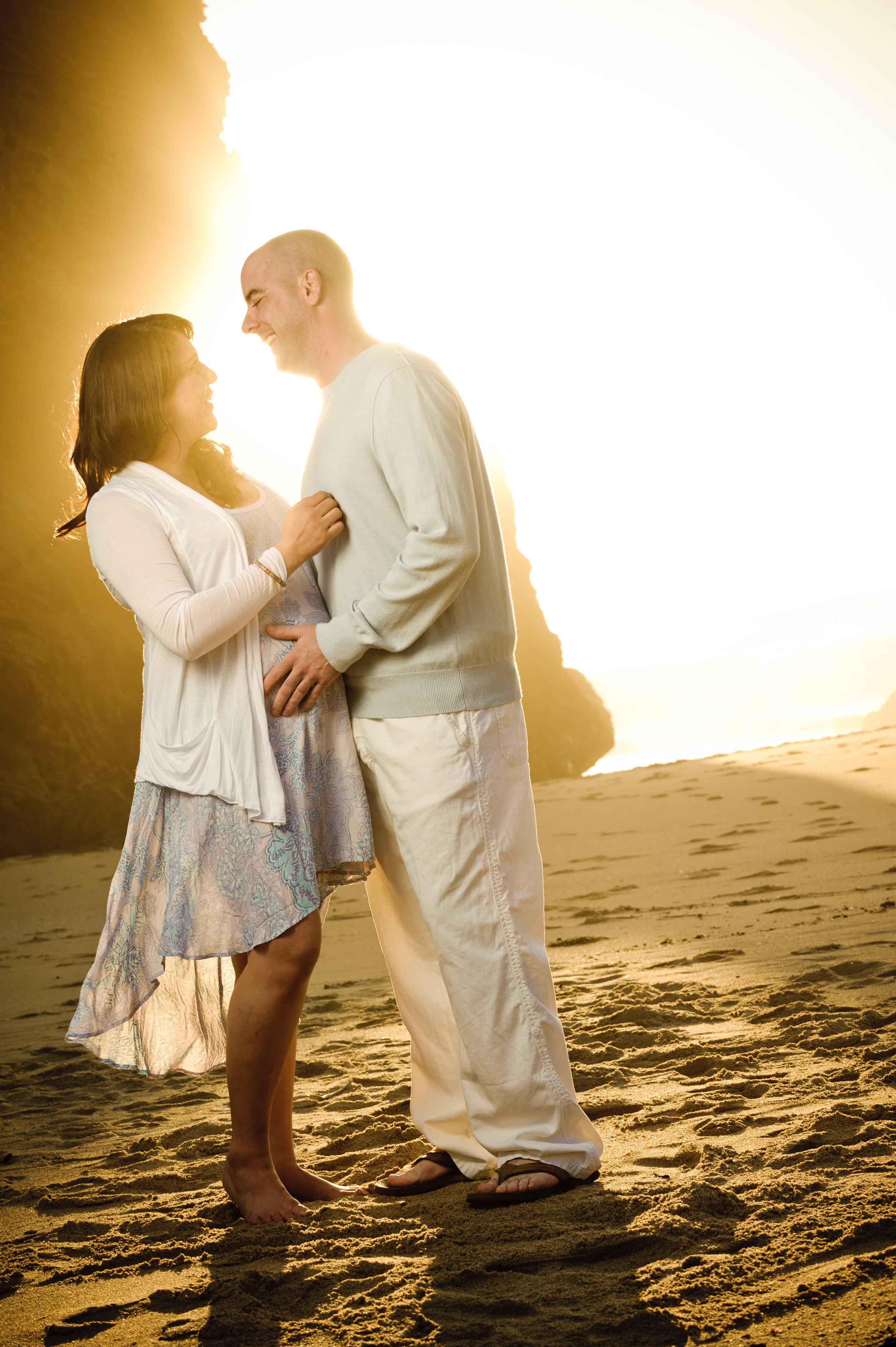 d3_Kim_and_Jon_Santa_Cruz_Maternity_Photography_Panther_Beach-7892.jpg