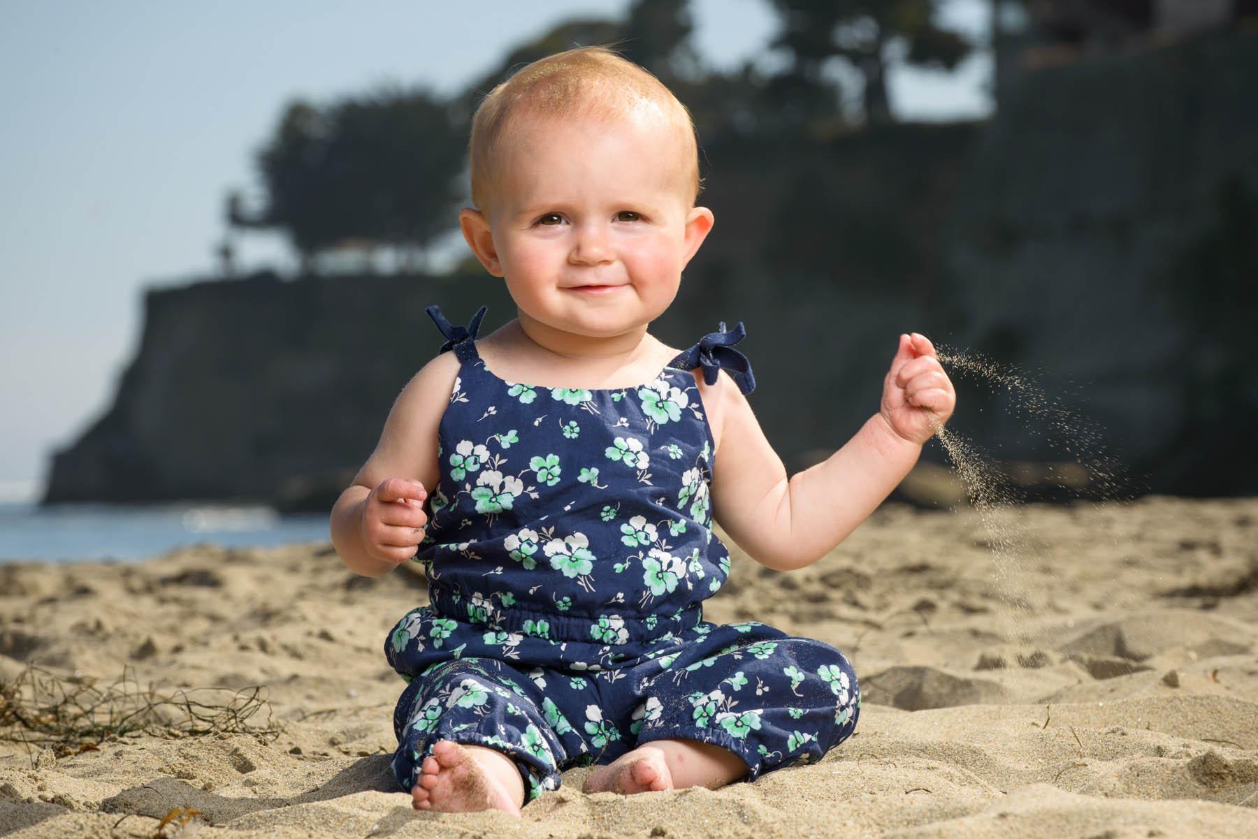7939_d800b_Katie_Tyler_Ellie_Capitola_Beach_Family_Photography.jpg