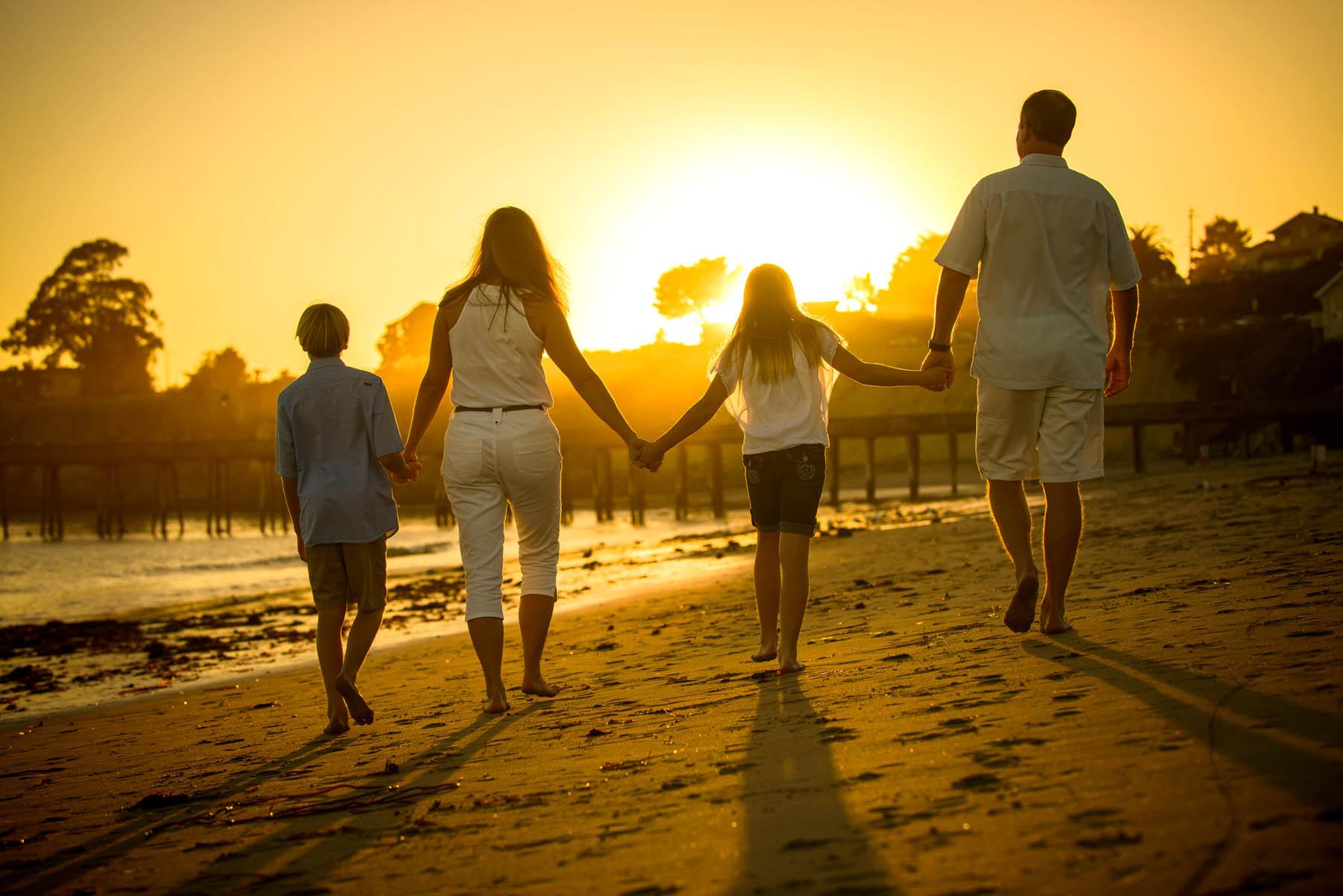 8603_d800_Bradley_Capitola_Beach_Family_Photography.jpg