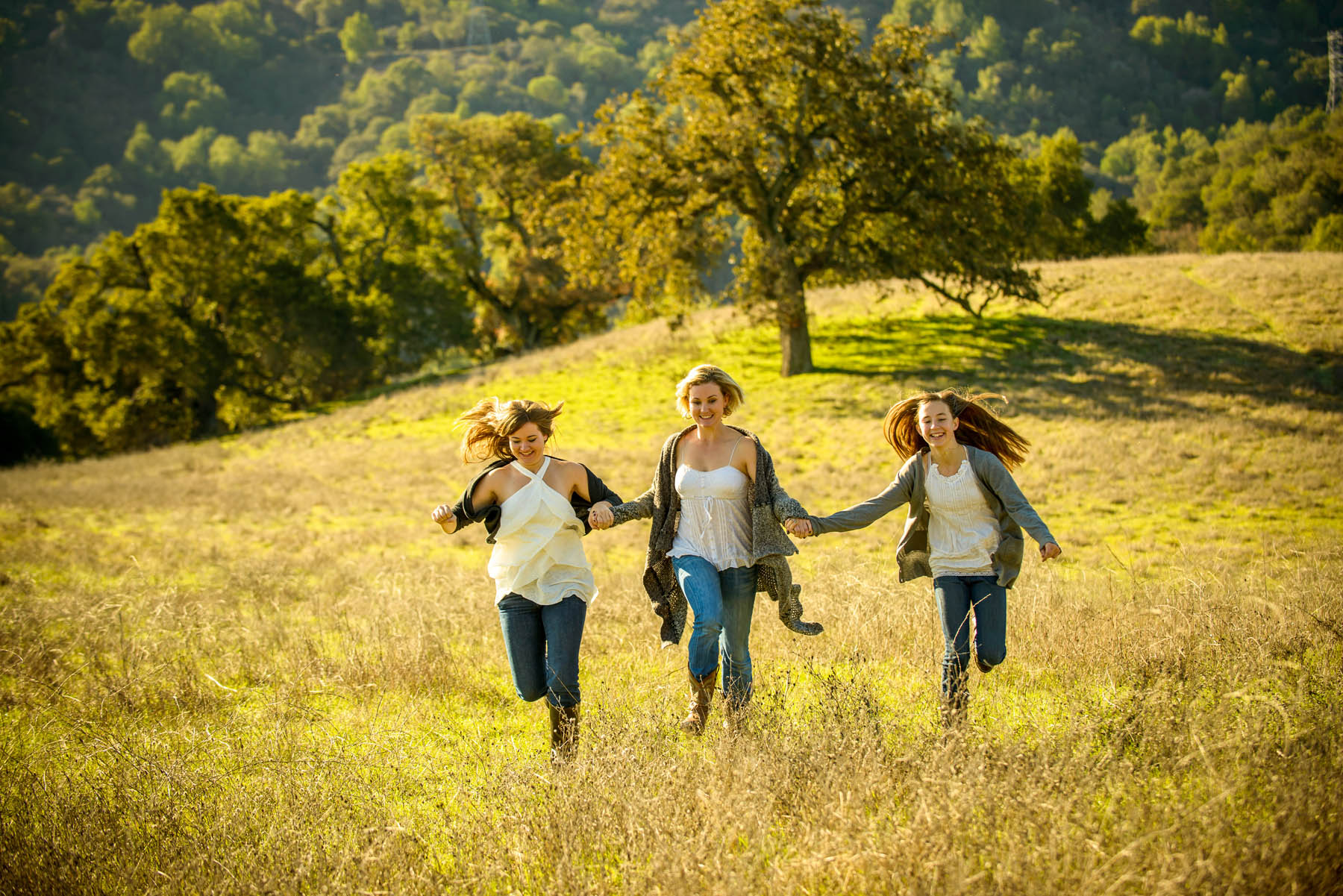 4418_d800_Allegra_Phoenix_Maren_Sisters_Rancho_San_Antonio_Open_Space_Preserve_Cupertino_Family_Photography.jpg