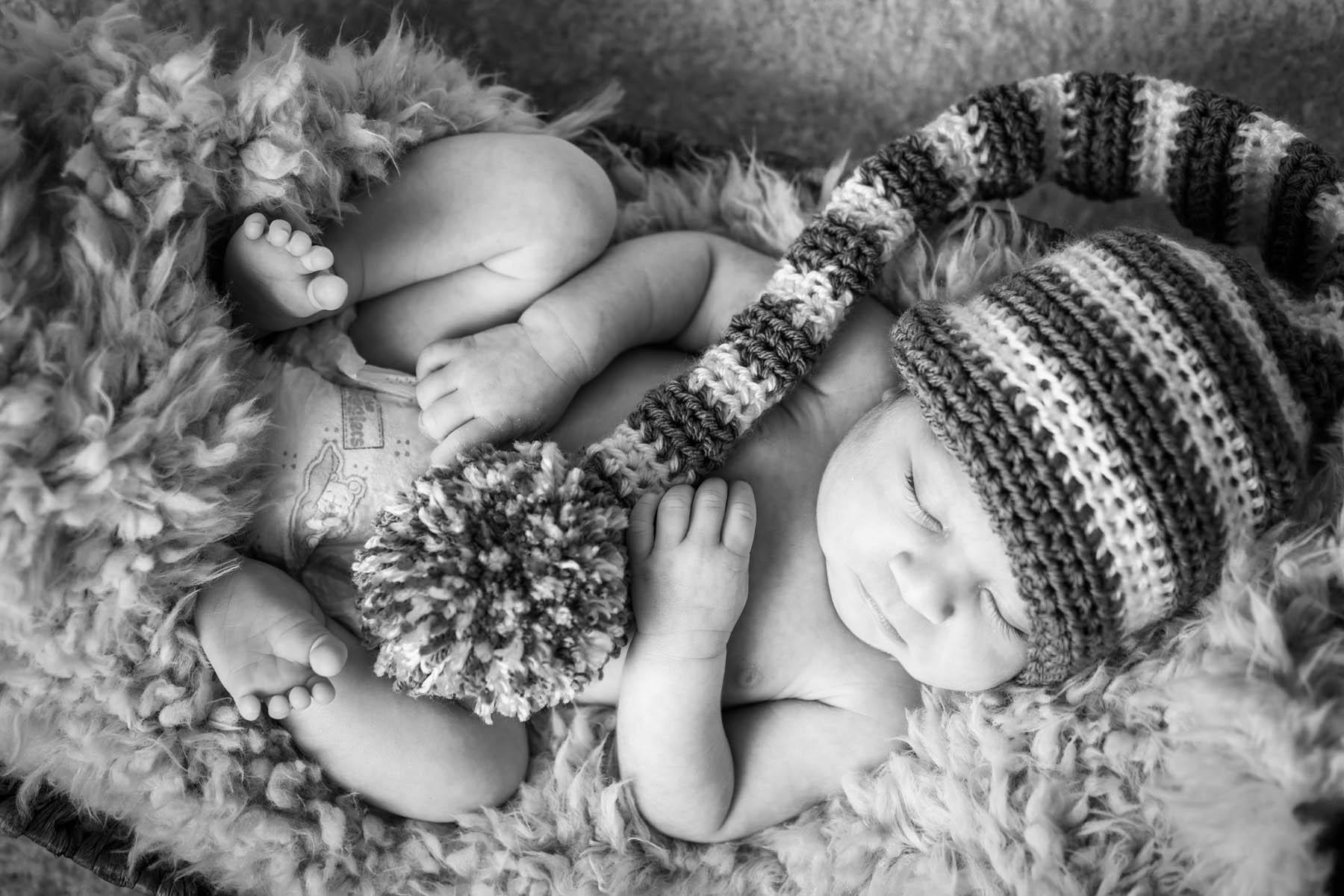 8374_d810a_Sid_D_Aromas_Newborn_Photography.jpg