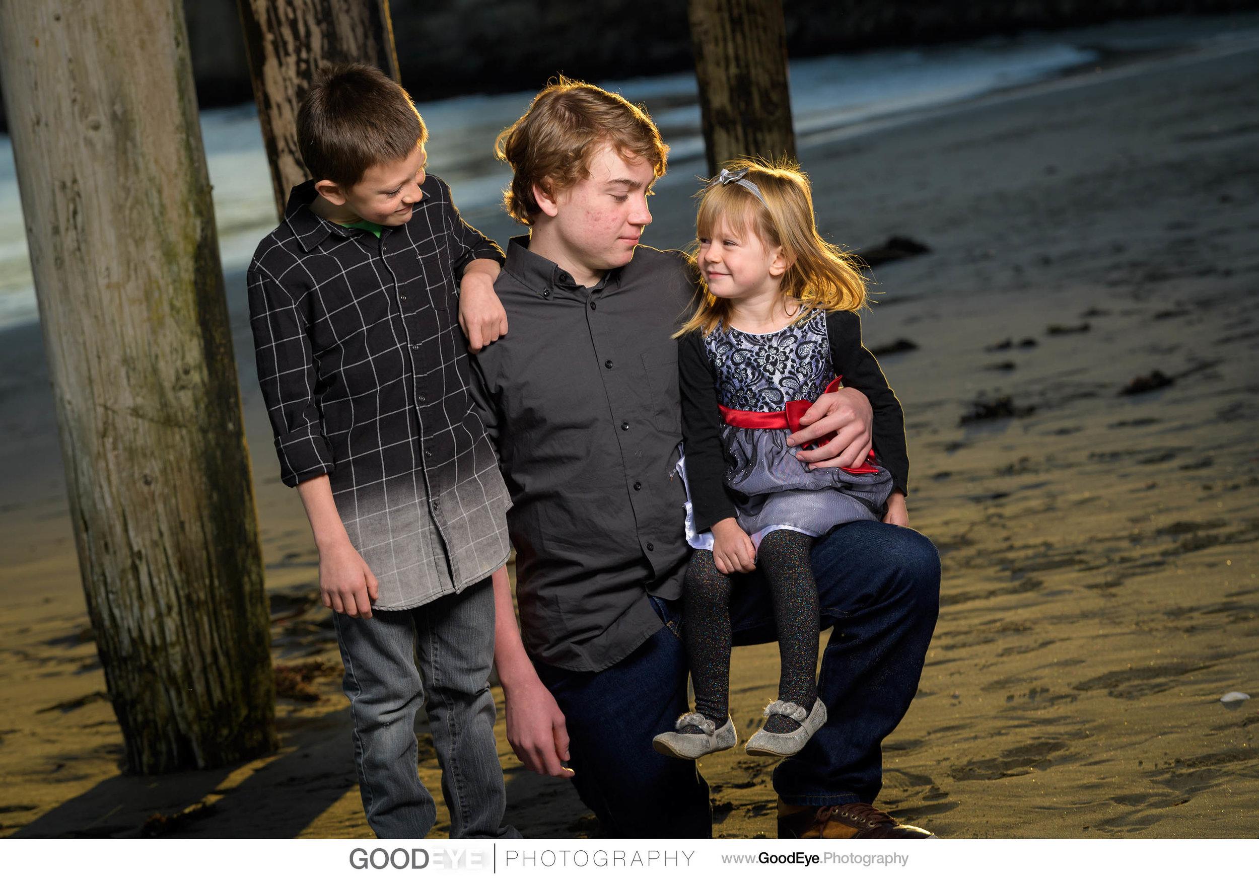 Capitola Beach family photos - by Bay Area family photographer C