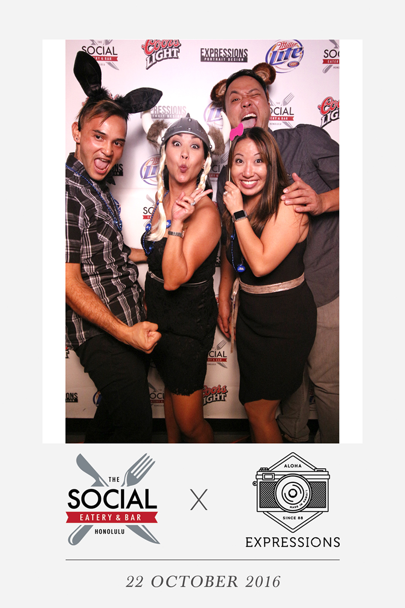 photo-booth-hawaii-social.jpg