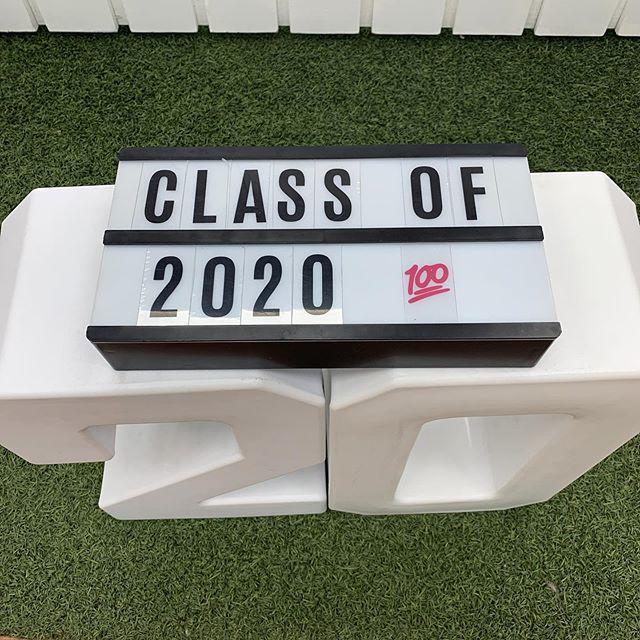 Keepin' it 💯 #classof2020 #photography #canon #canon5dmarkiv #highschoolportraits #graduation