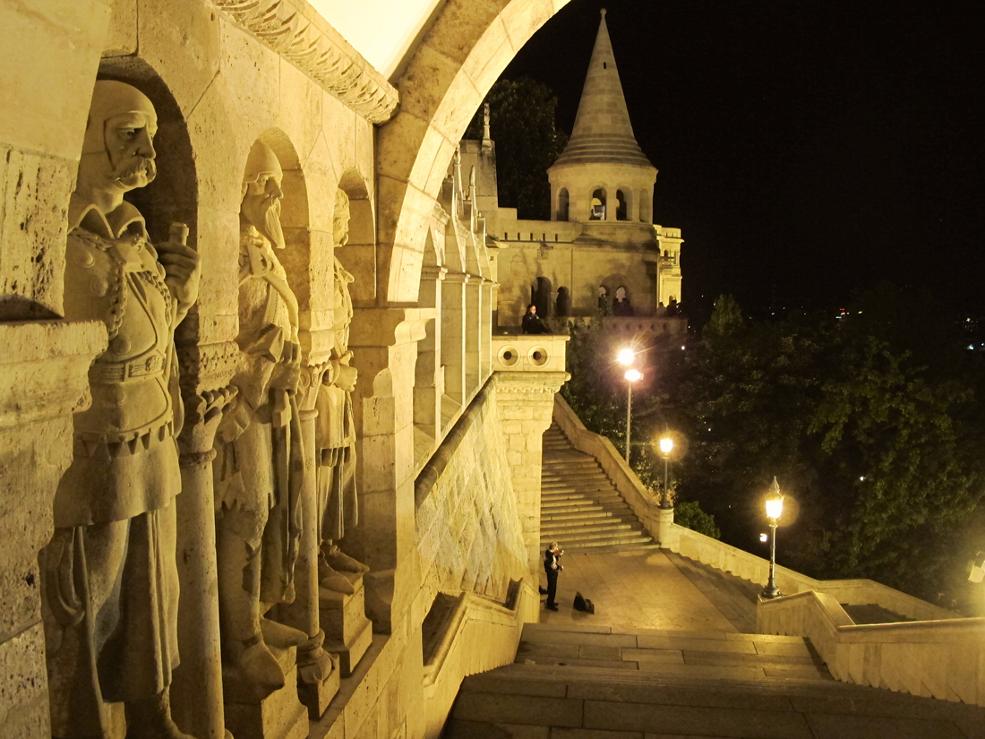 The atmosphere at Buda castle is particularly impressive at night.