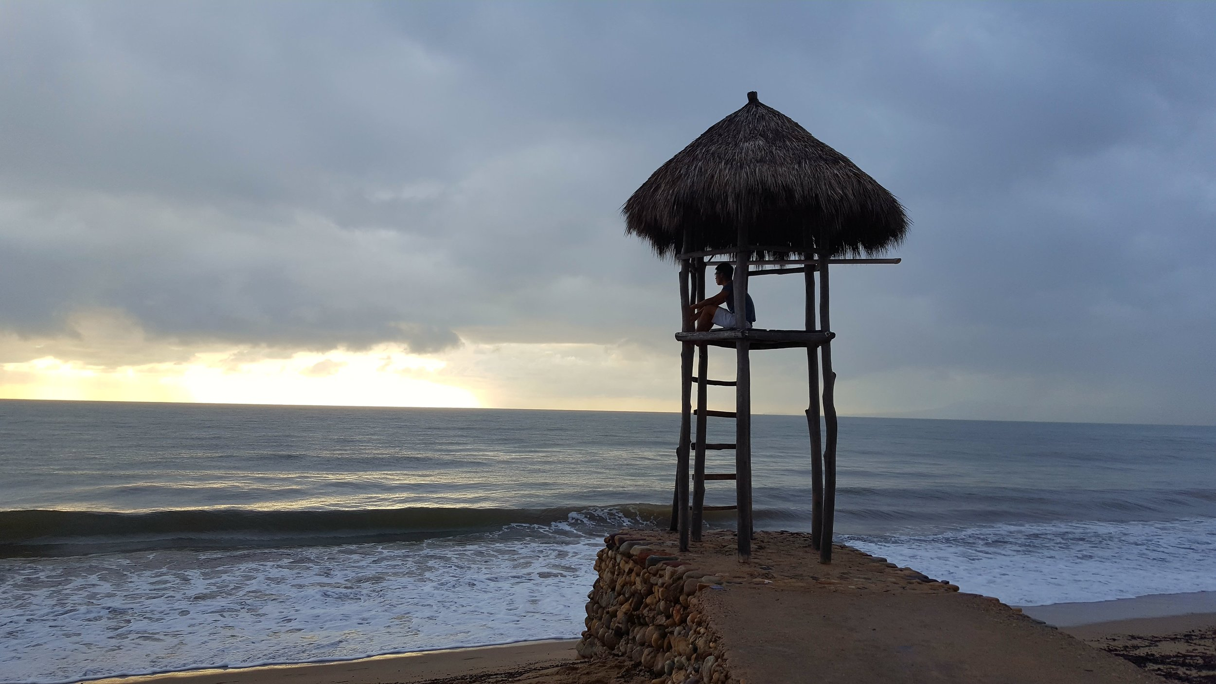 Yuting found the perfect beach lookout in Puerto Vallarta