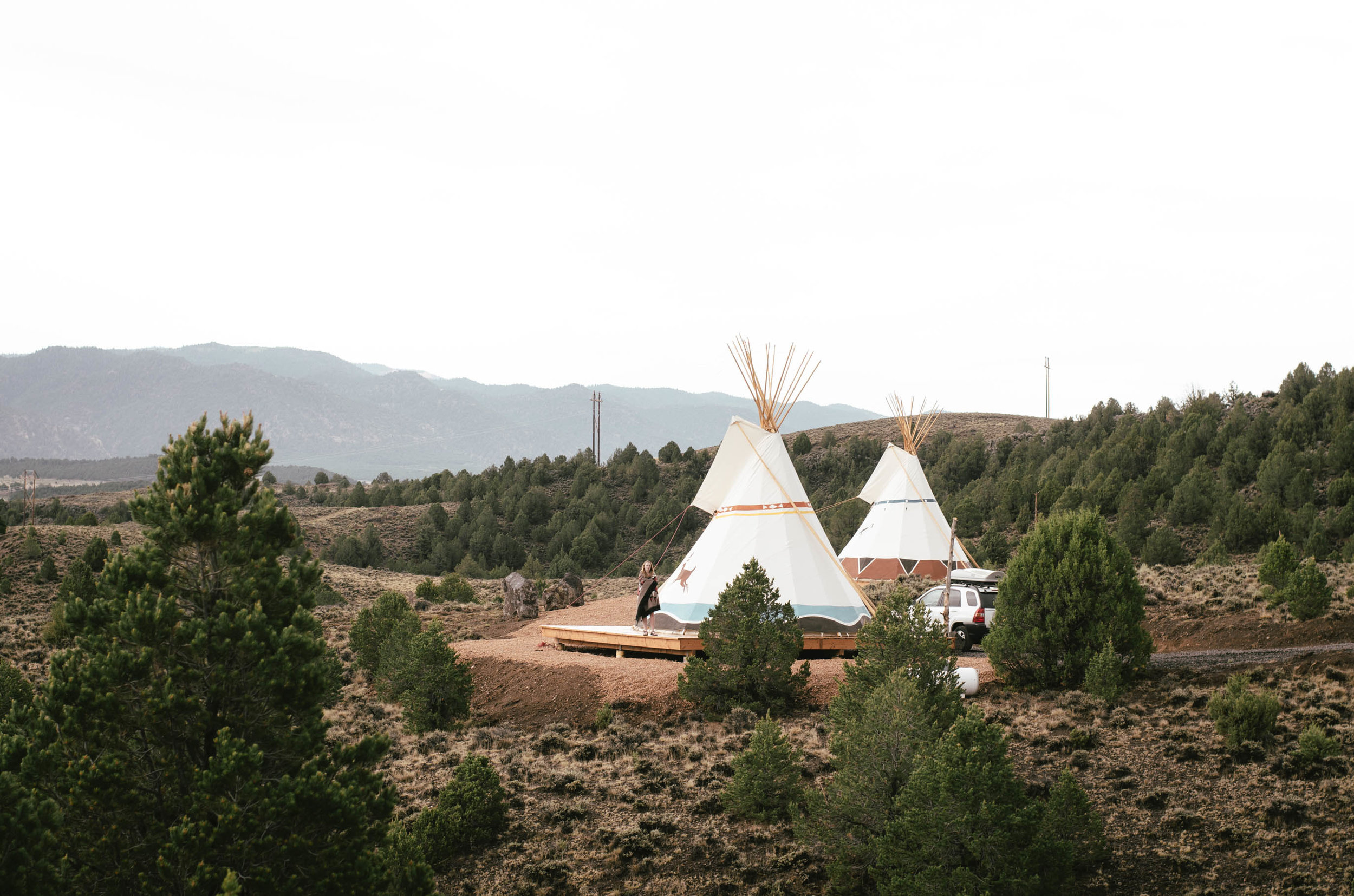 Two luxury tipi tents 30 minutes away from Bryce Canyon