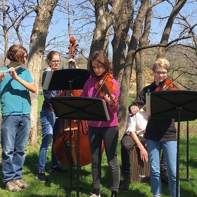 HS FIddle band had a great morning playing as the runners topped the hill at the Donald dash. 