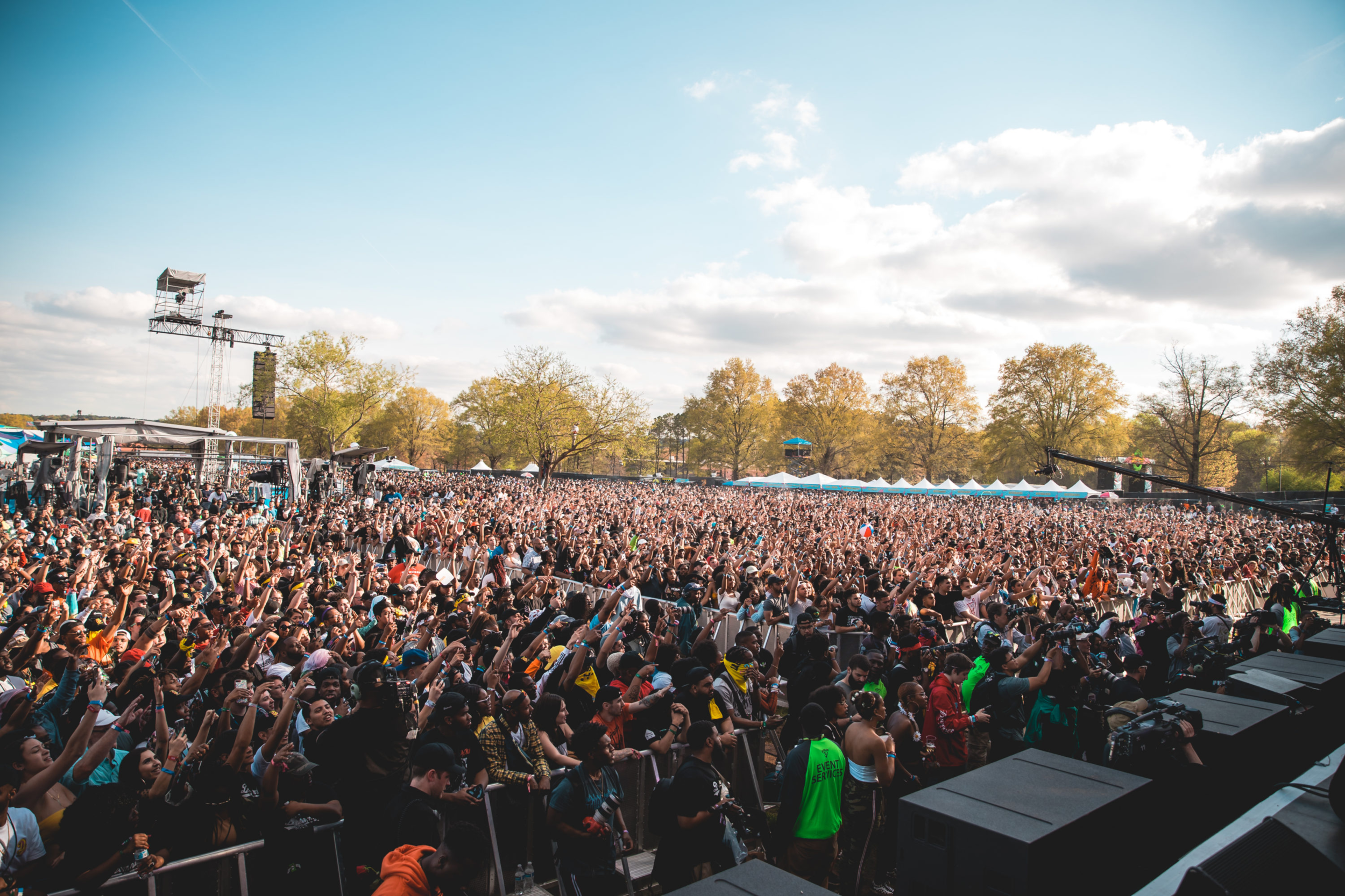 DREAMVILLE FESTIVAL  The sold out inaugural Dreamville Festival, founded and headlined by J Cole, brought approx. 40,000 fan to the historic Dorothy Dix Park in Raleigh for a day of music, culture, vendors, and art.