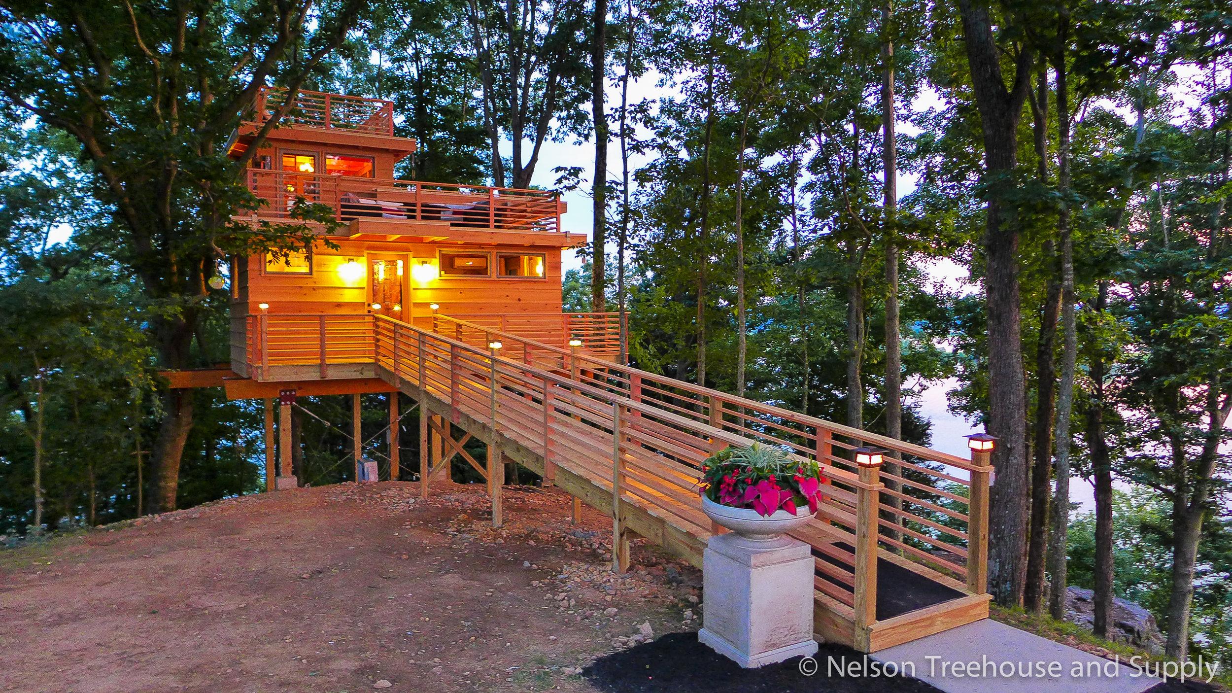 Frank Lloyd Wright Lake Treehouse Nelson Treehouse
