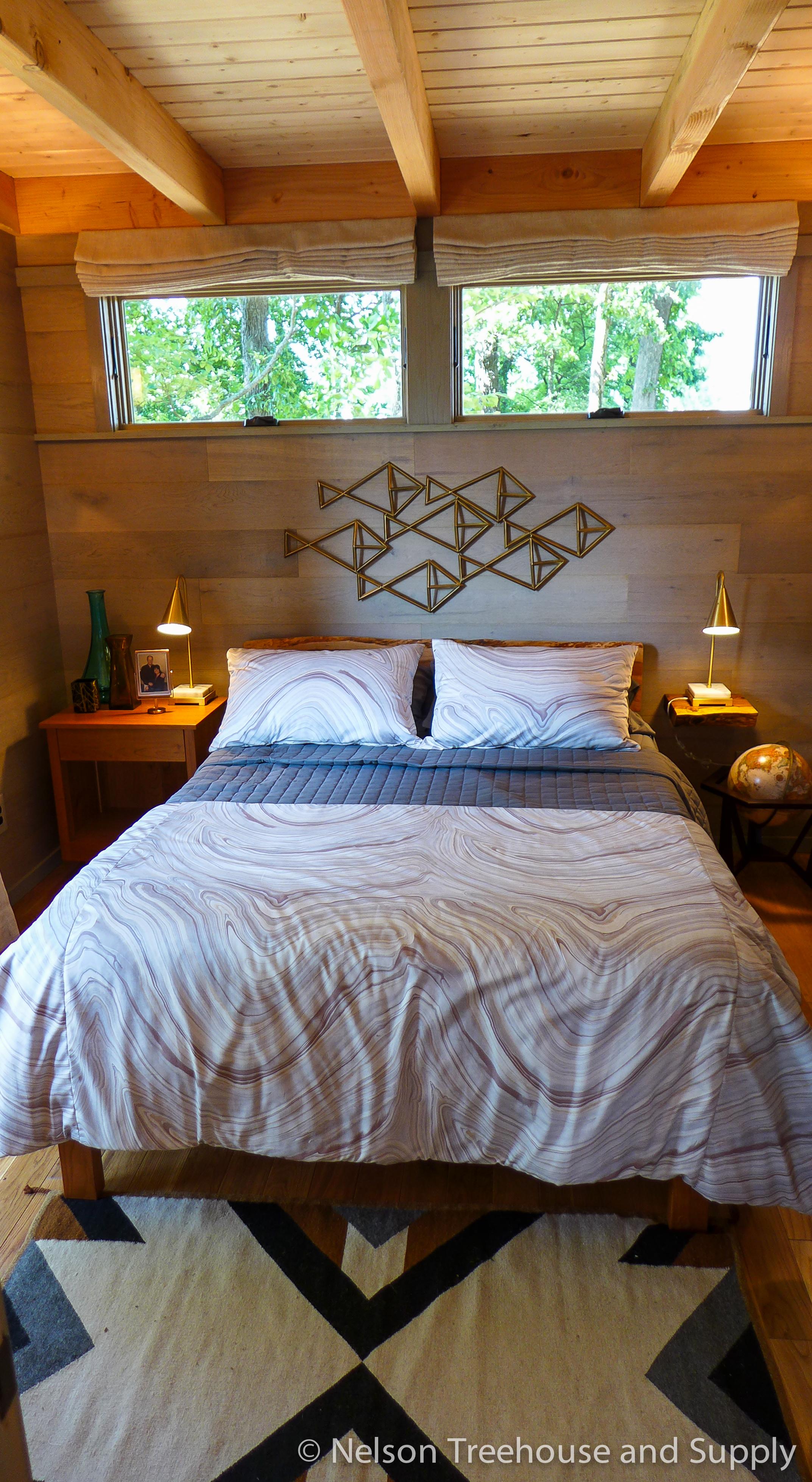 frank-lloyd-wright-treehouse-bedroom