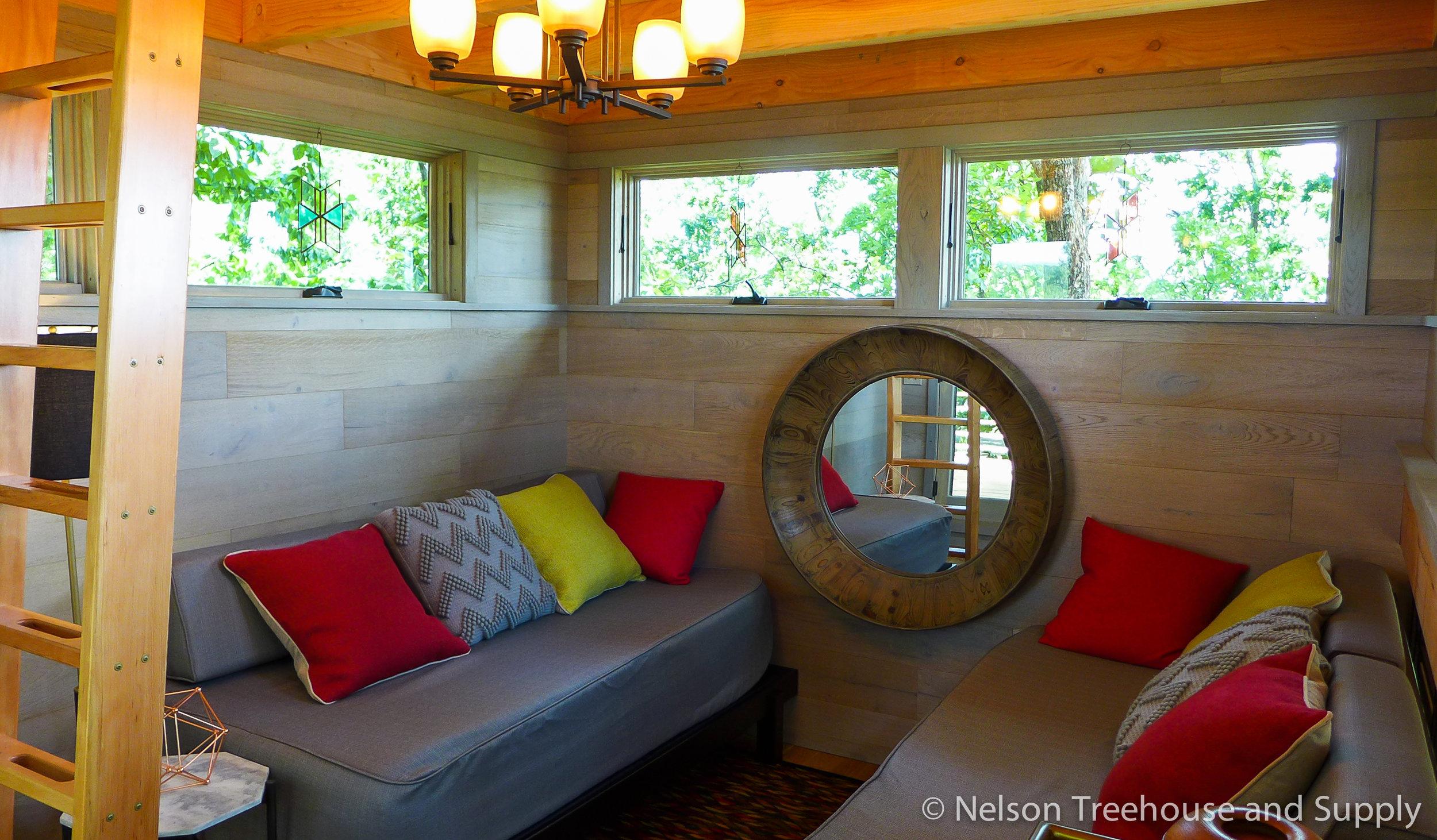 frank-lloyd-wright-treehouse-lounge