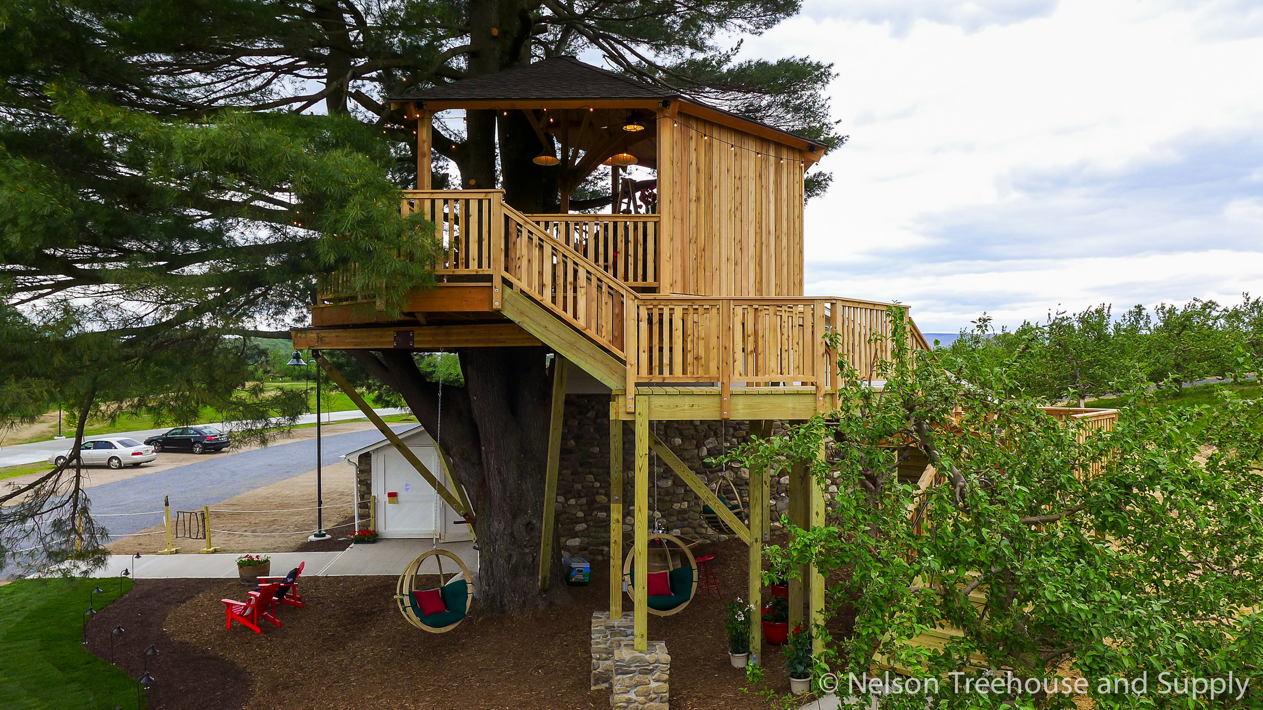 angry-orchard-treehouse-exterior-2