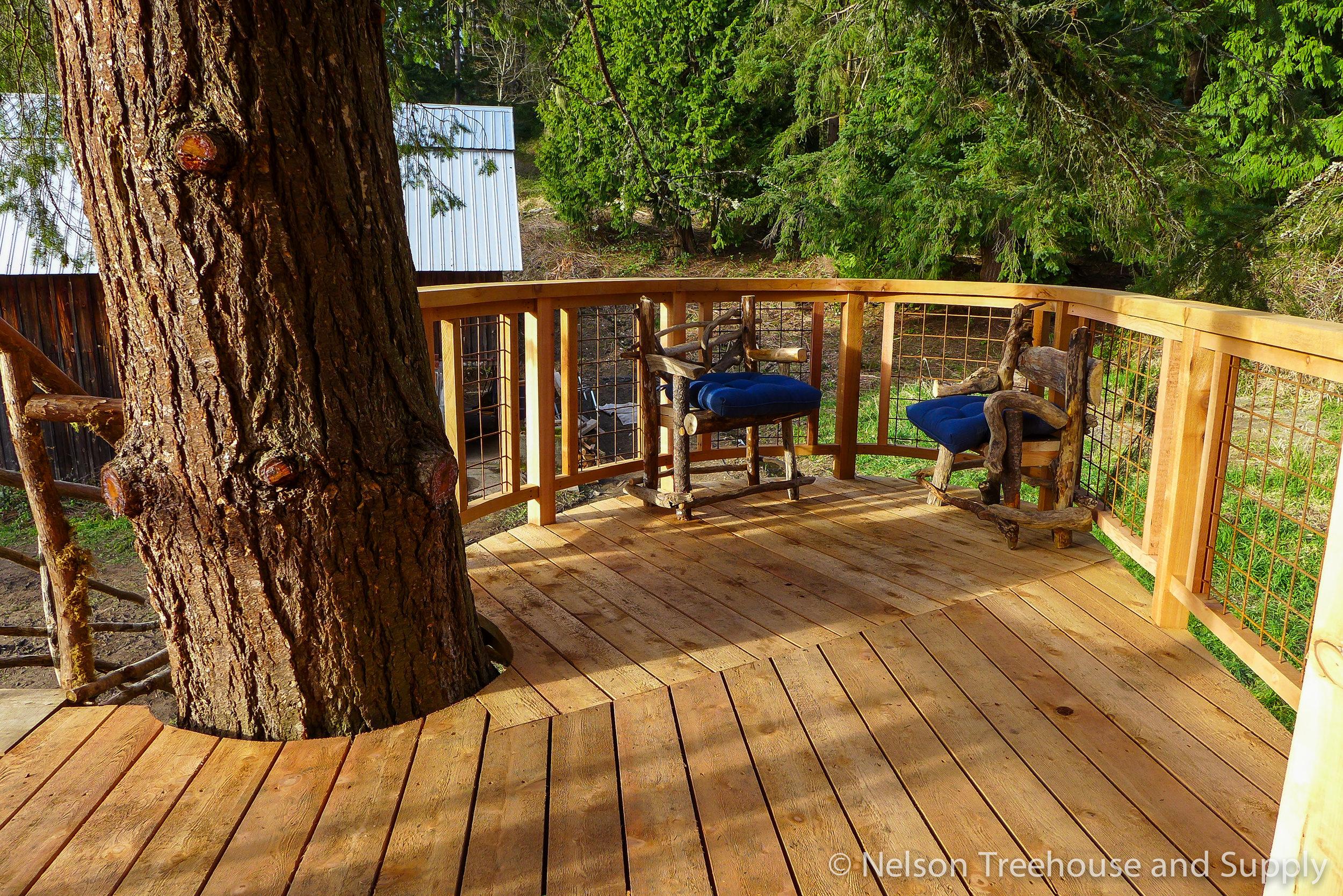 charlies_treehouse_deck