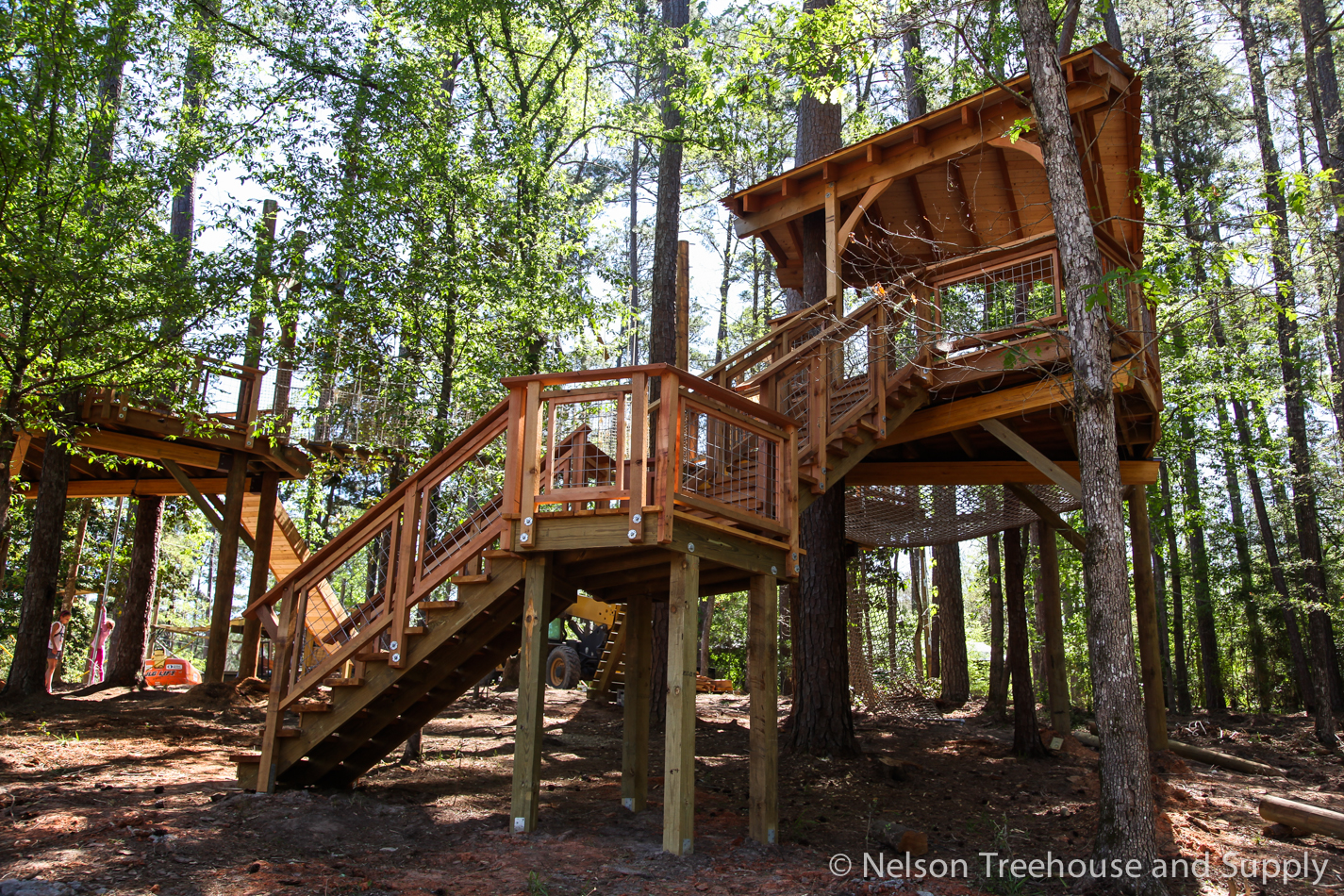 More hog wire railing on the Camp Cho Yeh treehouse