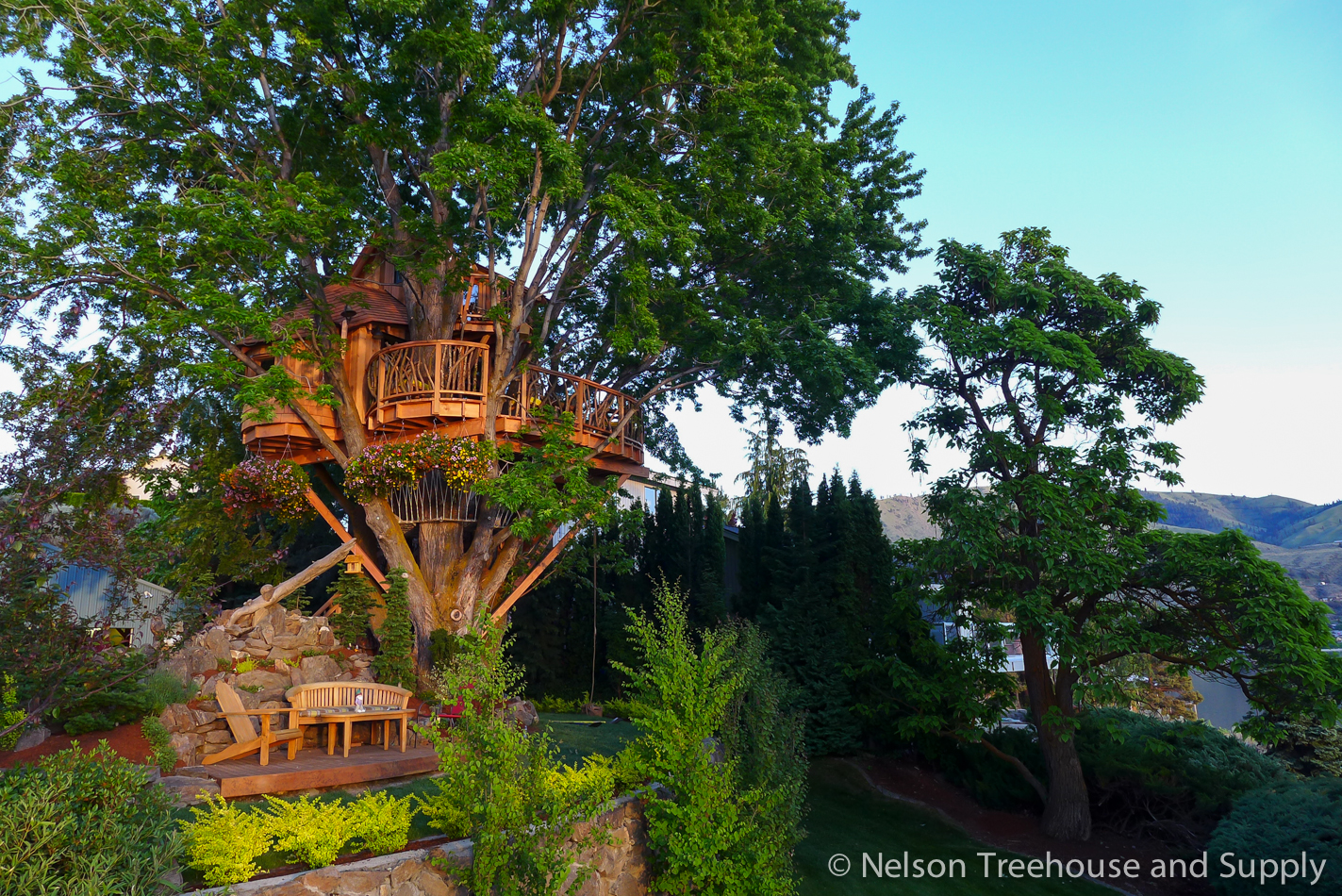 Lake Chelan treehouse