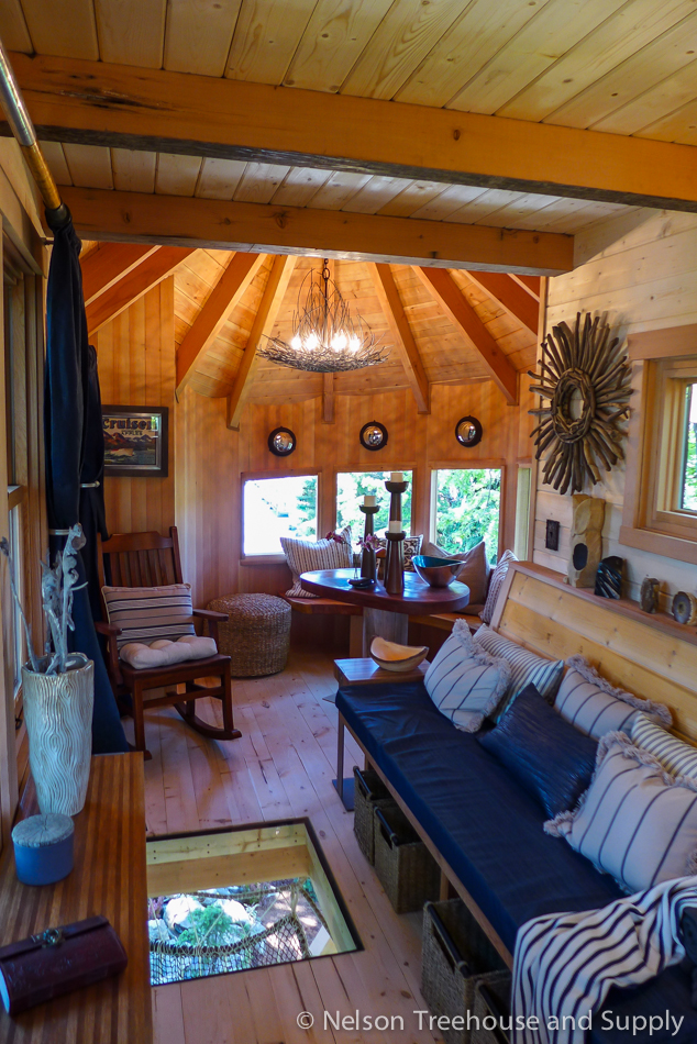 Inside the Lake Chelan treehouse