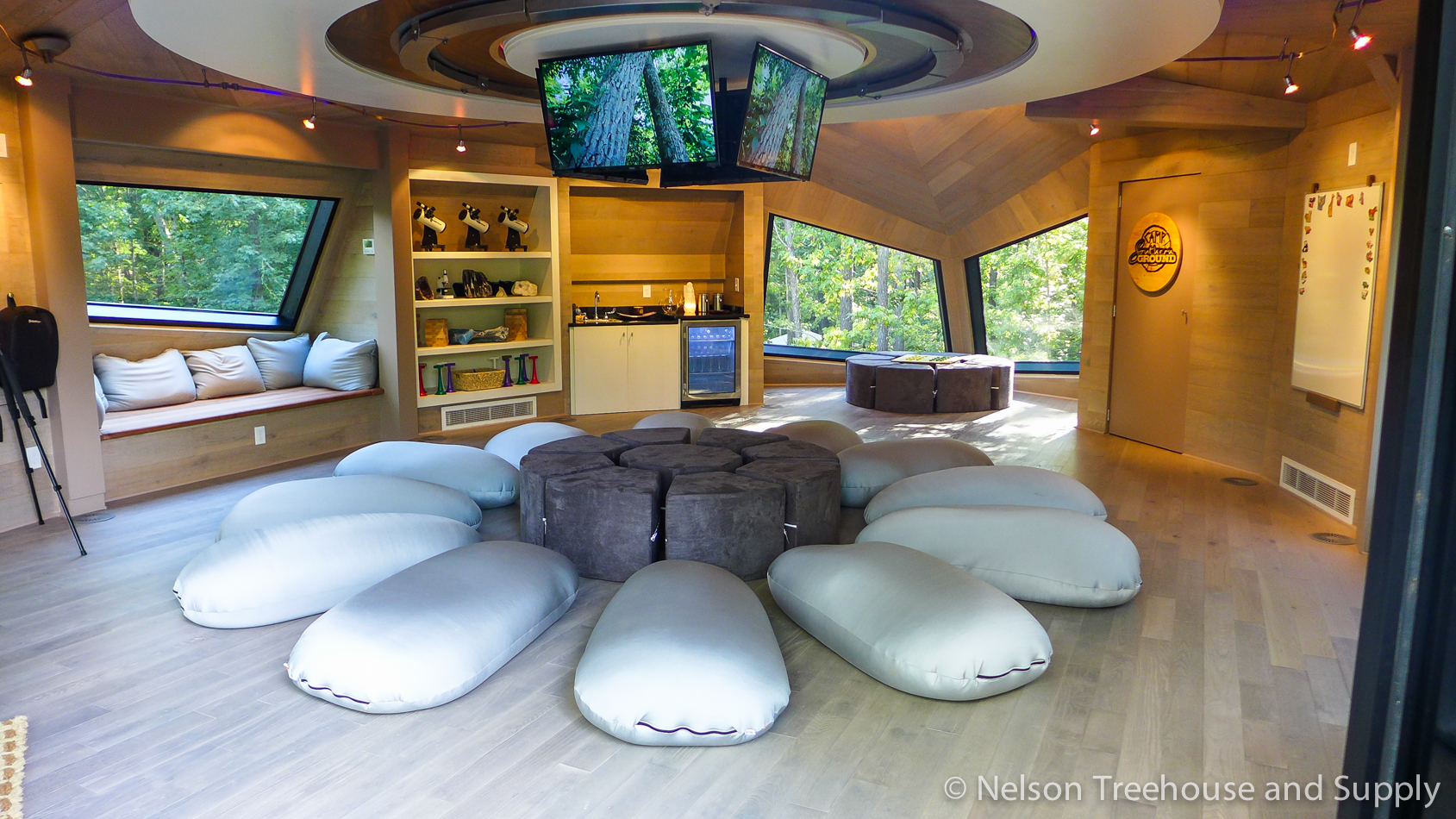 space crab treehouse interior 1
