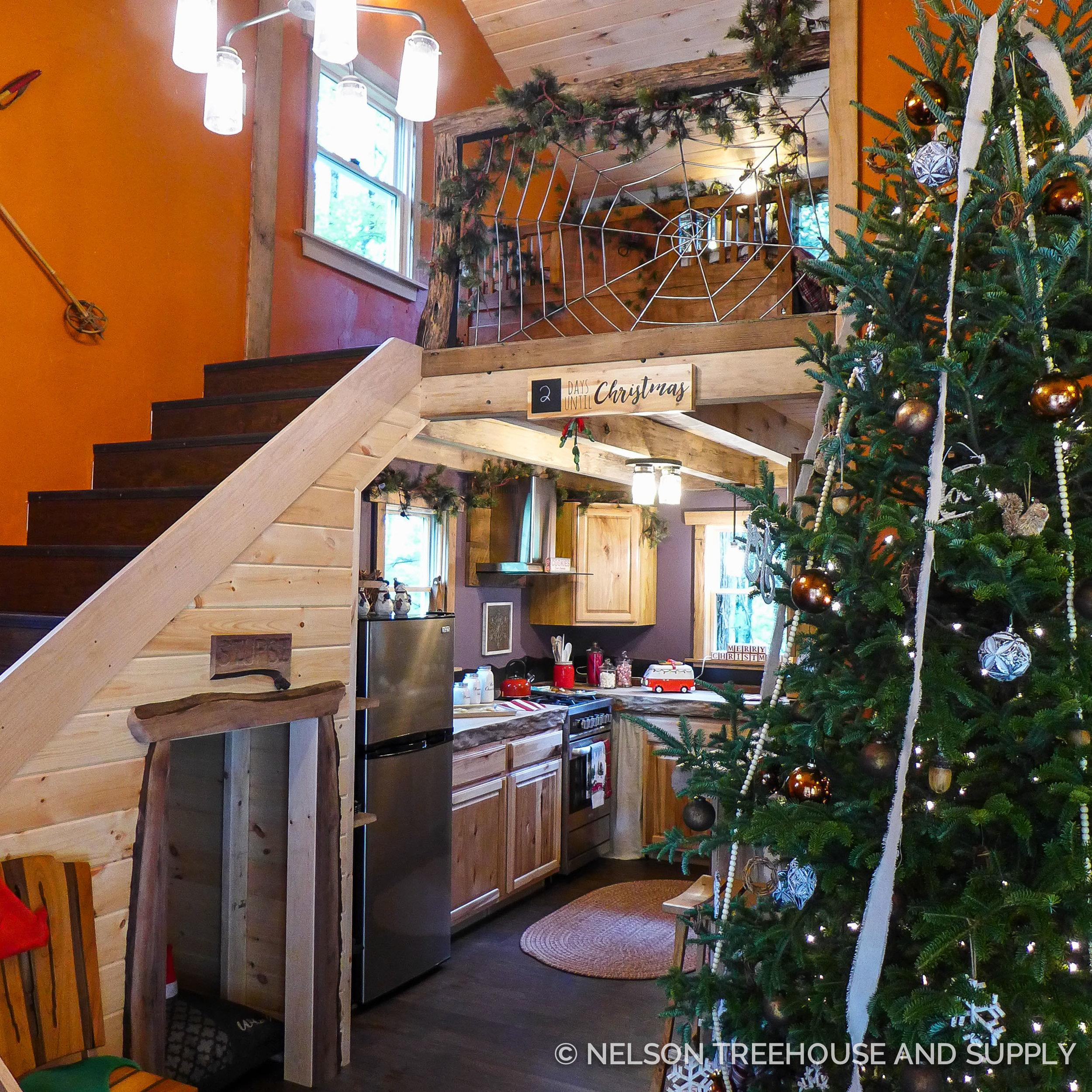 Nelson Treehouse North Carolina Christmas Treehouse