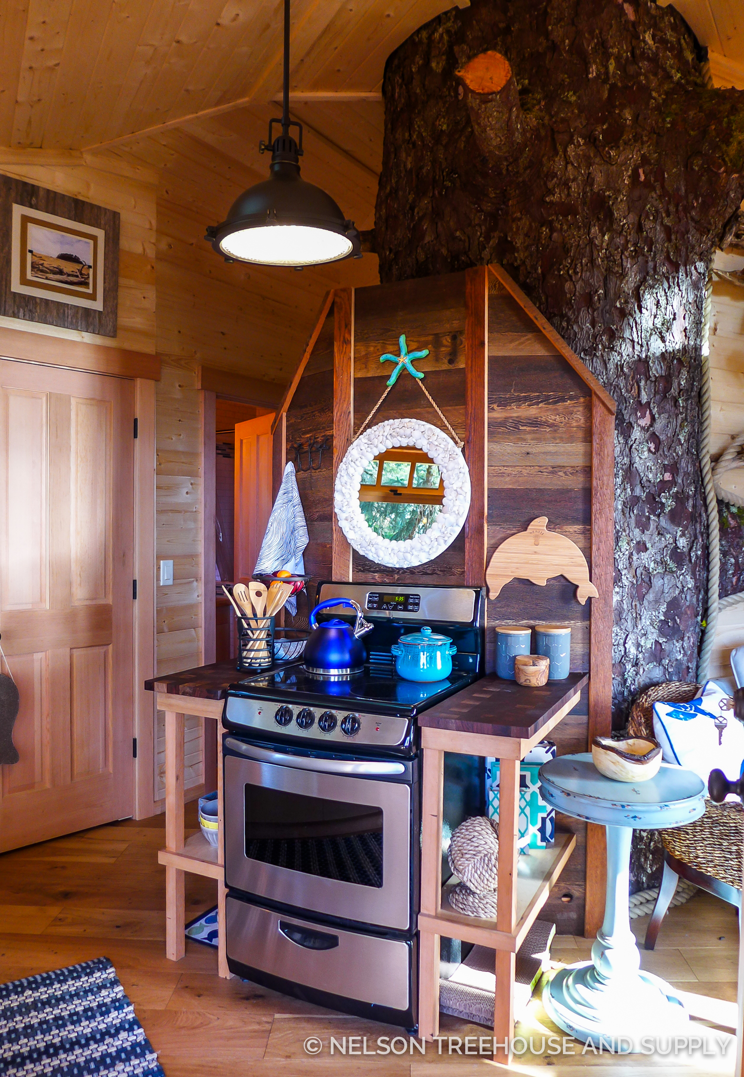 Dylan created this gorgeous kitchenette unit (complete with walnut, checkerboard cutting boards) for the Neskowin Treehouse. You can take our  photo tour of this treehouse here on the blog.