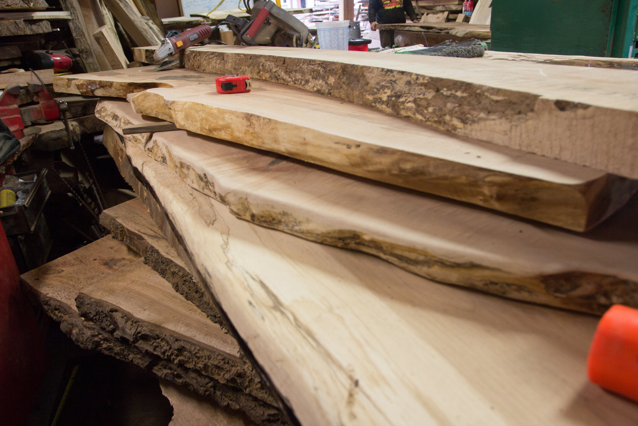 Nelson Treehouse and SUpply gets most of its slabs for treehouse built-ins from a small, family-owned wood mill in Oso, Wa. Read about the Wild Edge woods mill and its  owner, Bruce, on our blog here.