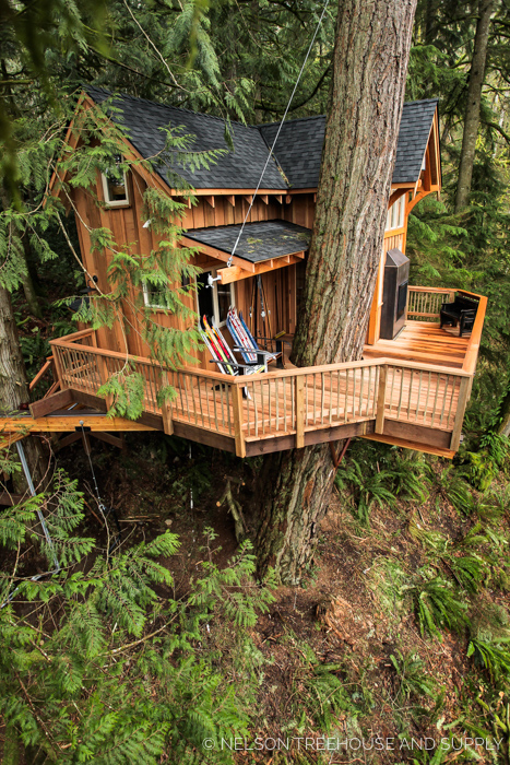 SKIHOUSE TREEHOUSE     CLICK FOR PHOTO TOUR >>     Location:  Washington  Year Built:  2016  Square Feet:  198  Elevation:  20 ft Fully tree-supported  Seasonality:  All-season