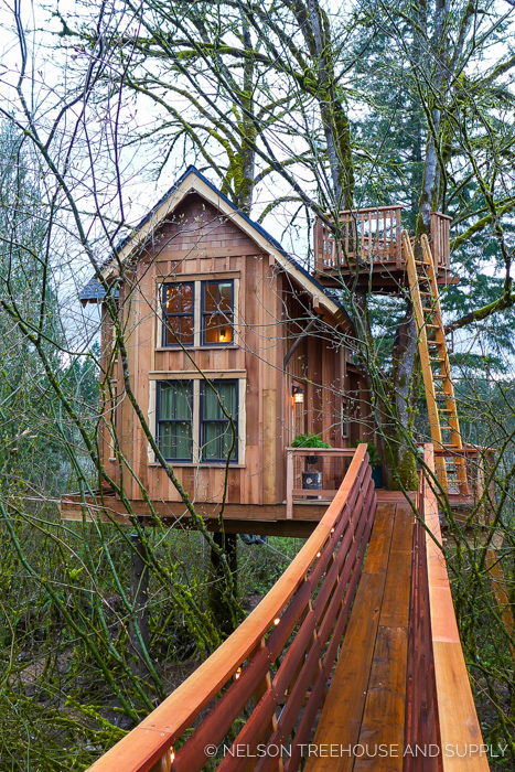 THRILL 'N' CHILL TREEHOUSE     CLICK FOR PHOTO TOUR >>     Location:  Washington  Year Built:  2017  Square Feet:  200  Elevation:  15 ft Fully tree-supported  Seasonality:  All-season