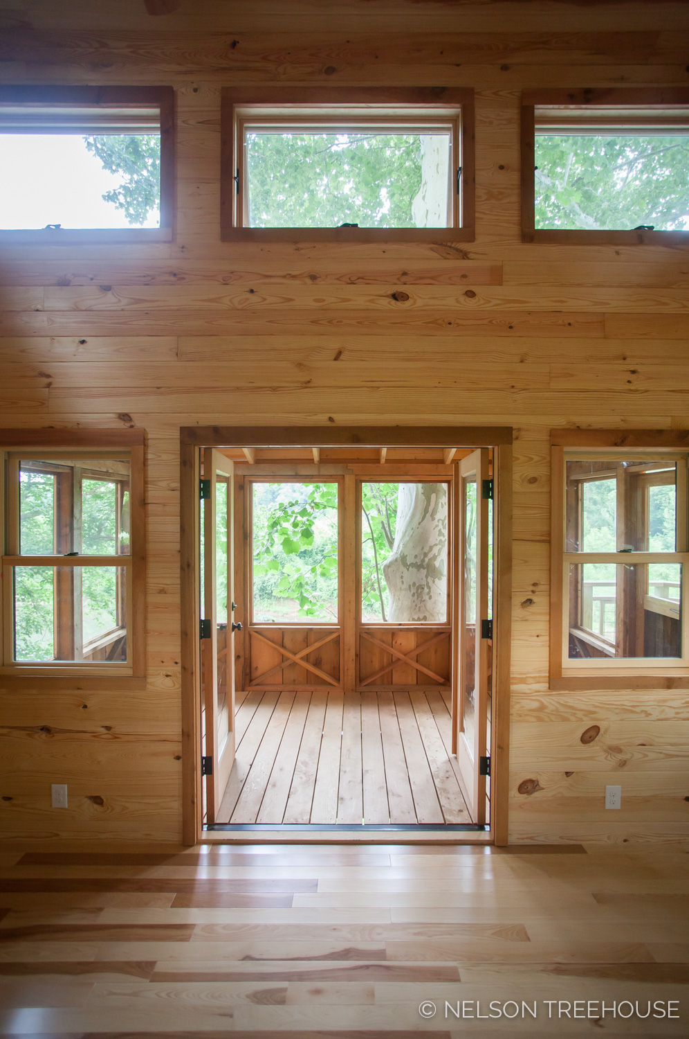TenNessee Riverbank Treehouse entry to porch