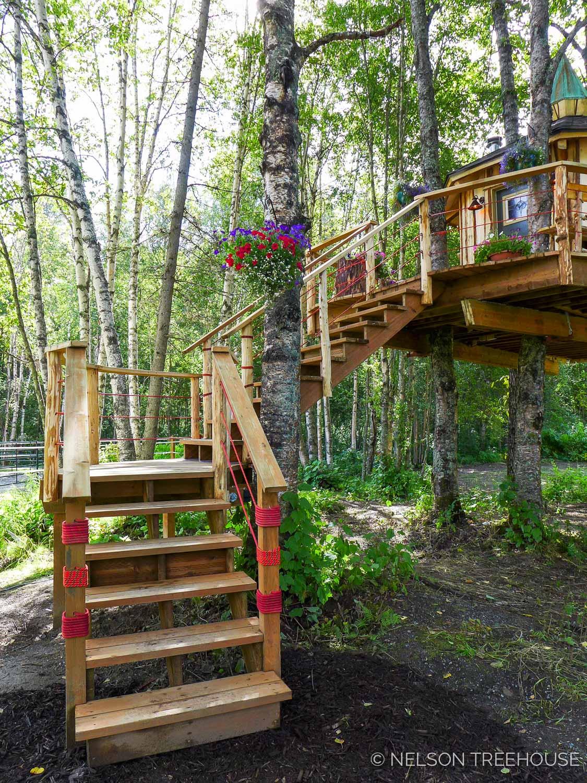 Alaskan Sauna Hut stair access - Nelson Treehouse