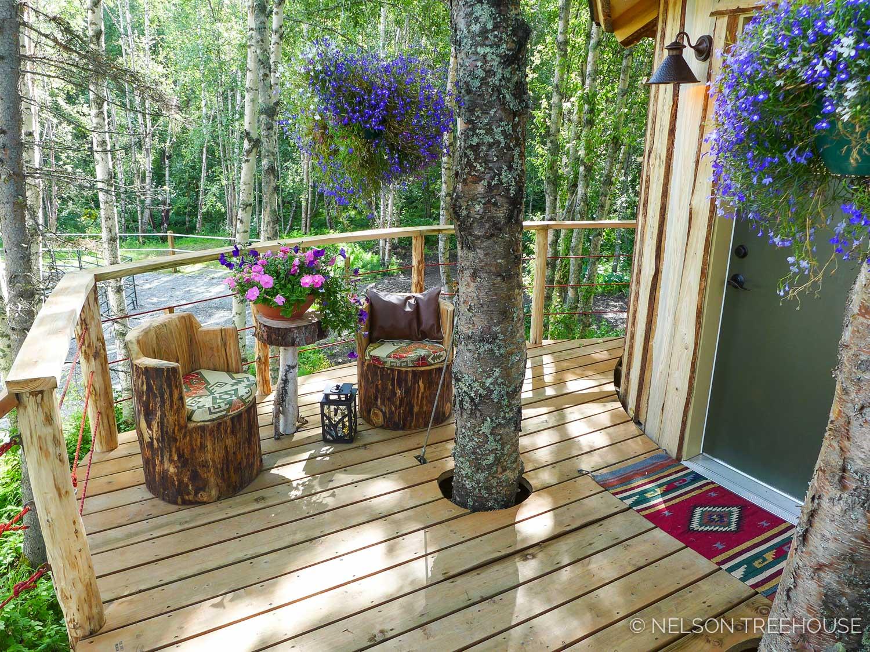 Alaskan Sauna Hut Deck - Nelson Treehouse