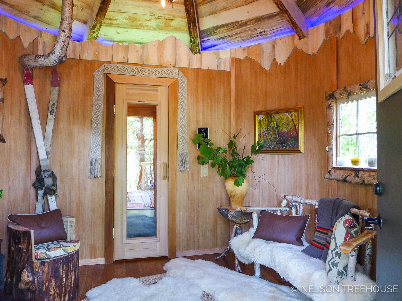 Alaskan Sauna Hut interior - Nelson Treehouse