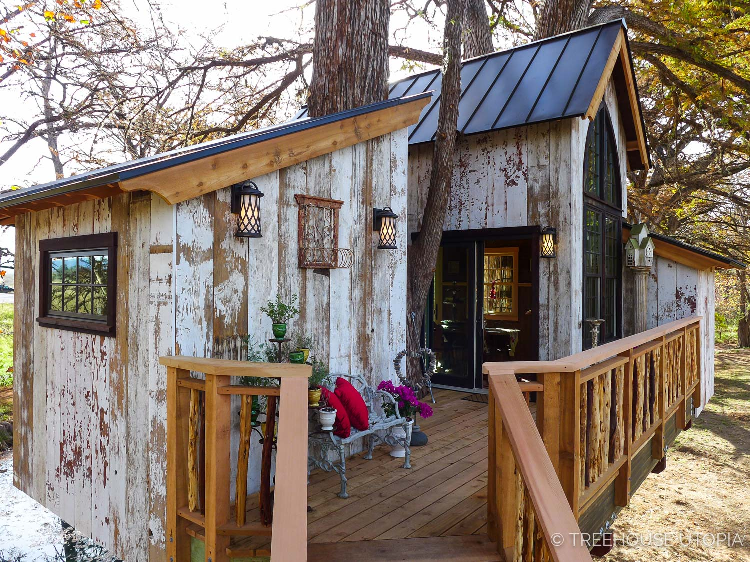 Entry Deck on Chapelle at Treehouse Utopia, a Texas Hill Country Retreat. Photo by Nelson Treehouse.